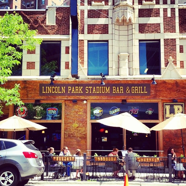 Lp Lincoln Park Stadium Bar Amp Grill Chicago Il