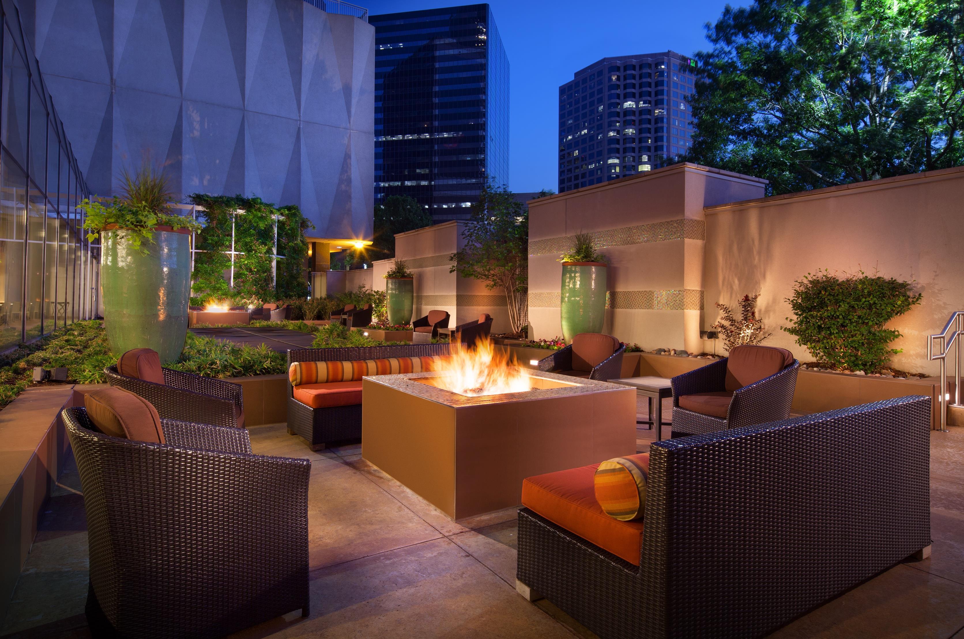 Sheraton dallas hotel at 400 north olive street dallas tx on fave for 400 garden city plaza