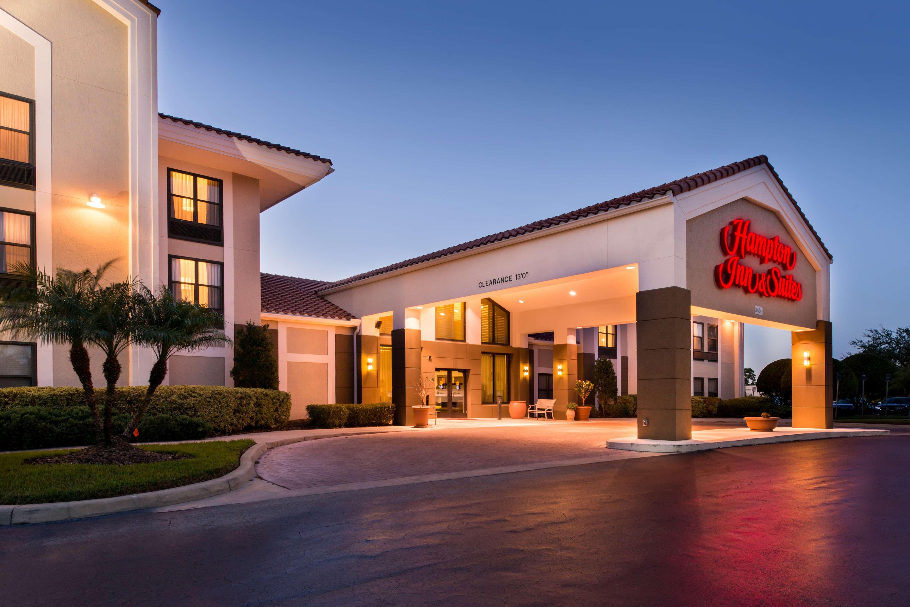 Hampton Inn & Suites Orlando/East UCF Area image 1
