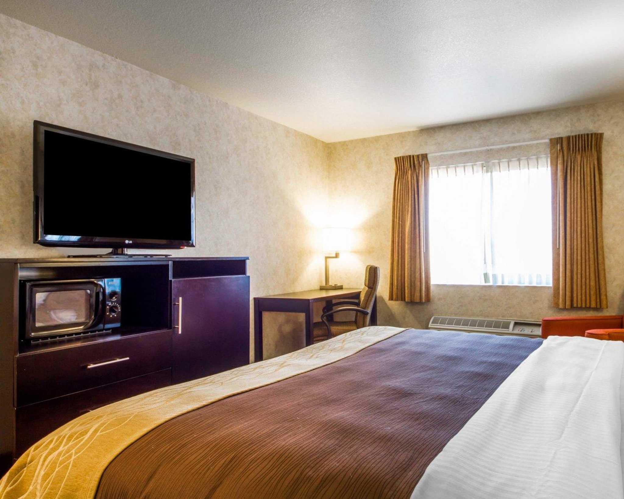 Comfort Inn image 12