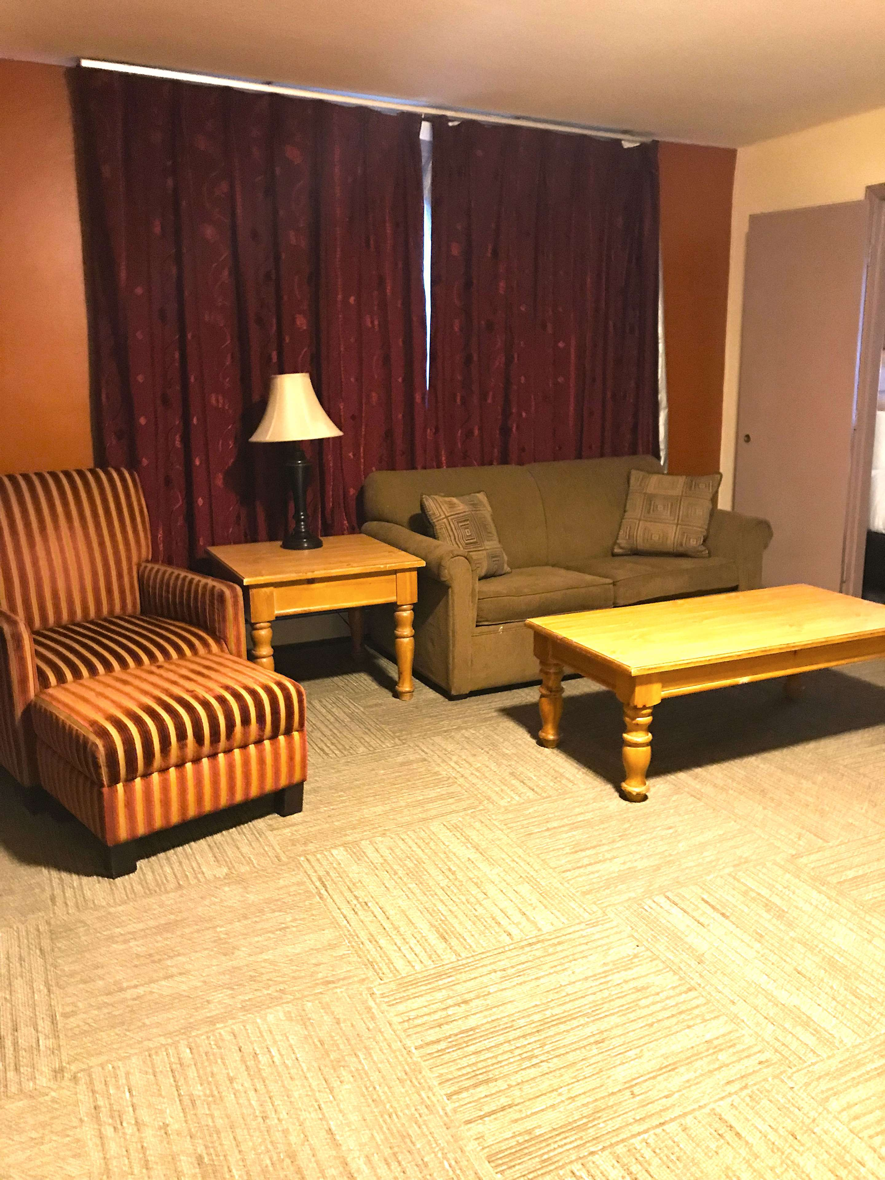Americas Best Value Inn-Executive Suites / Airport Anchorage image 8