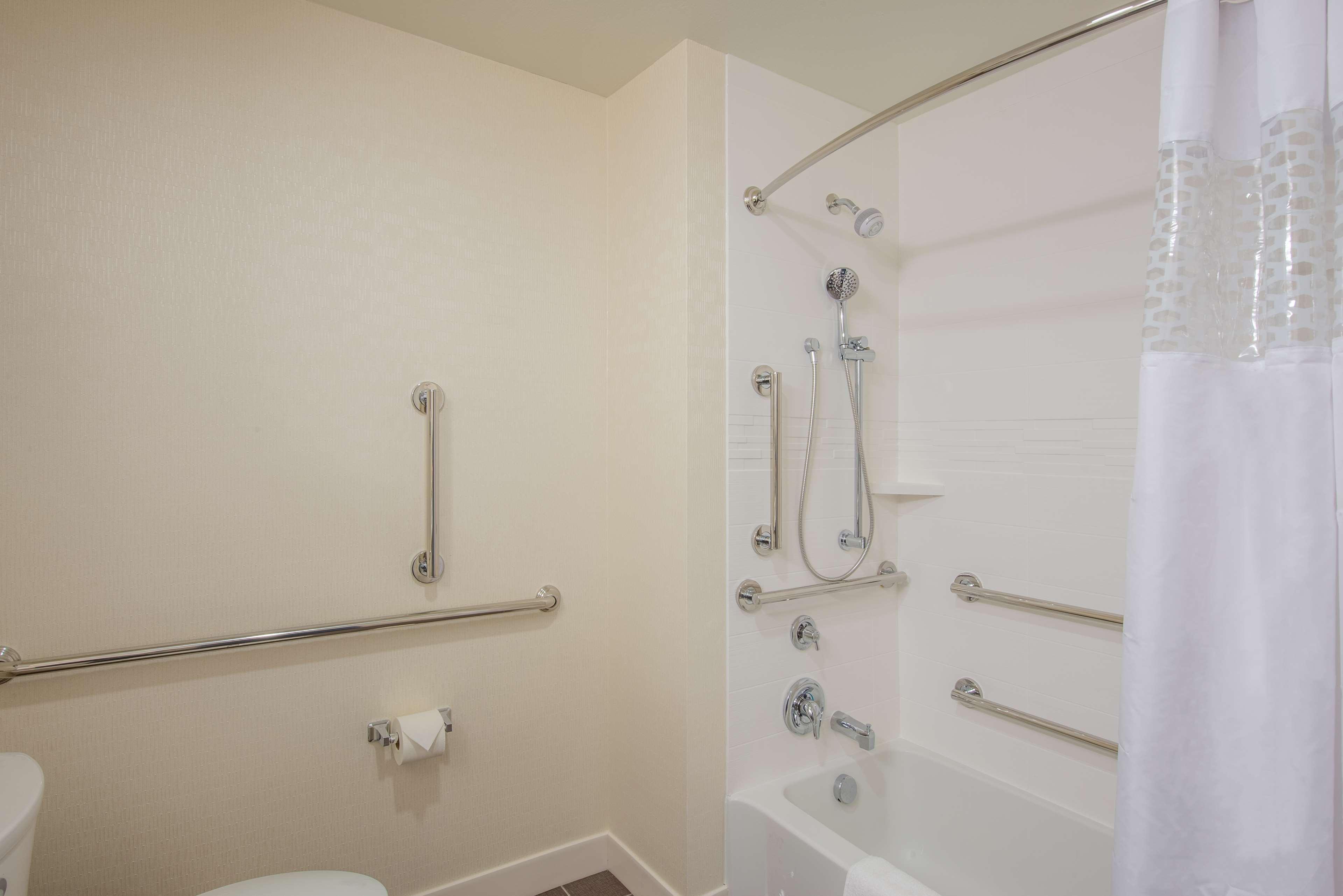 Hampton Inn & Suites Phoenix East Mesa image 17