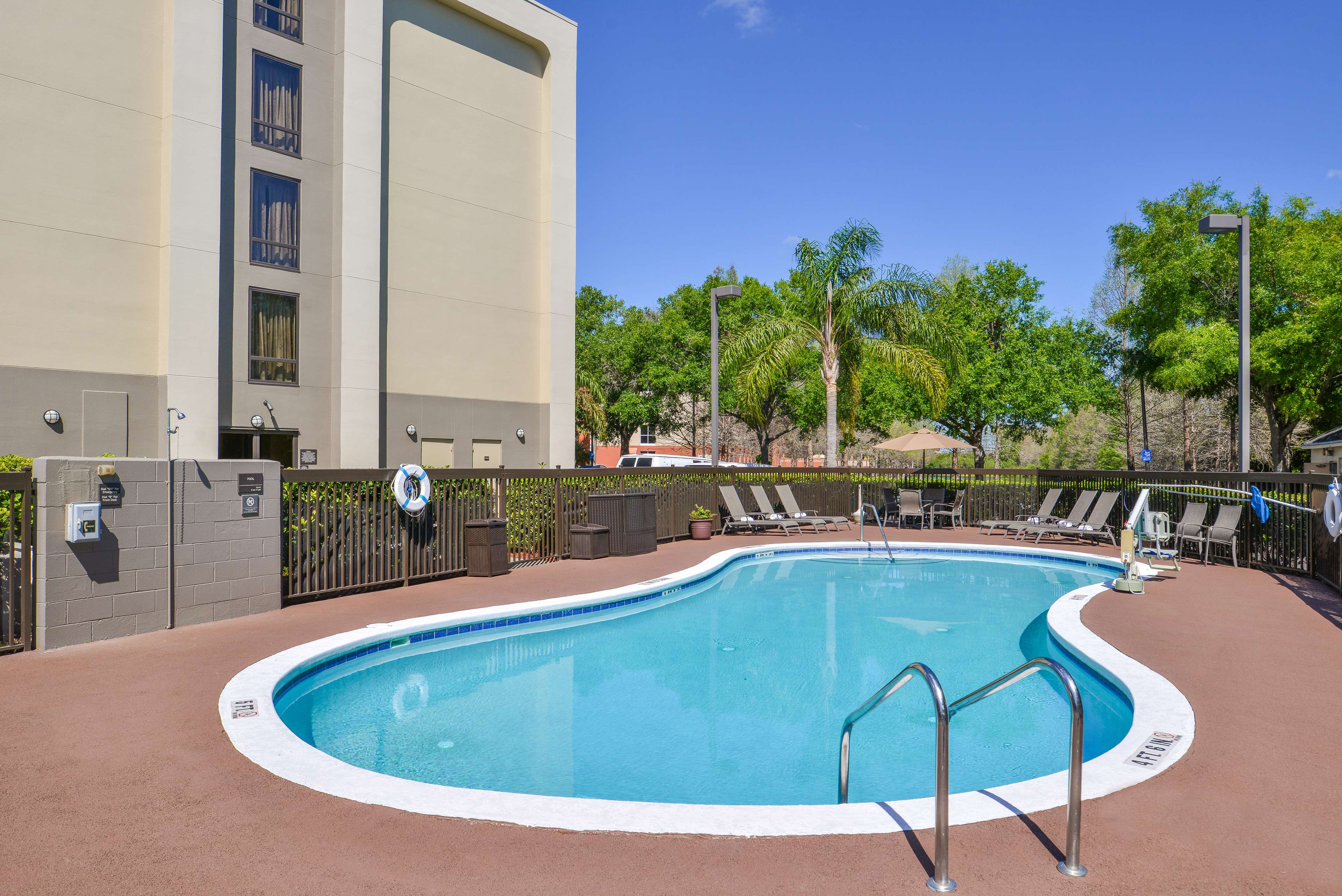 Hampton Inn closest to Universal Orlando image 7