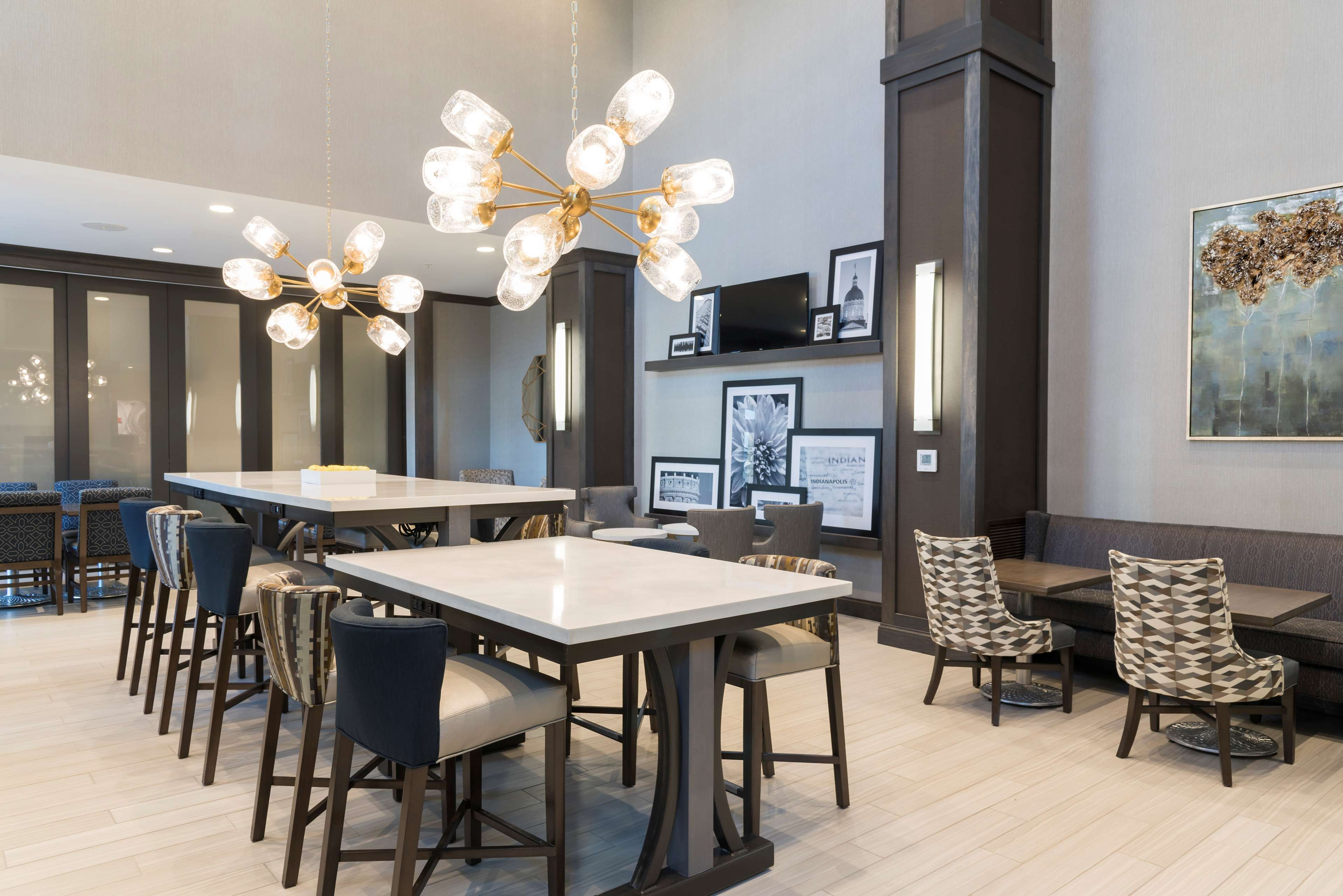 Hampton Inn & Suites Indianapolis-Keystone image 4