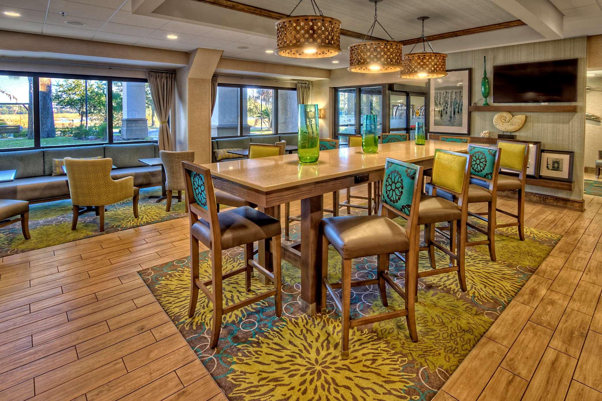 Hampton Inn Beaufort image 15