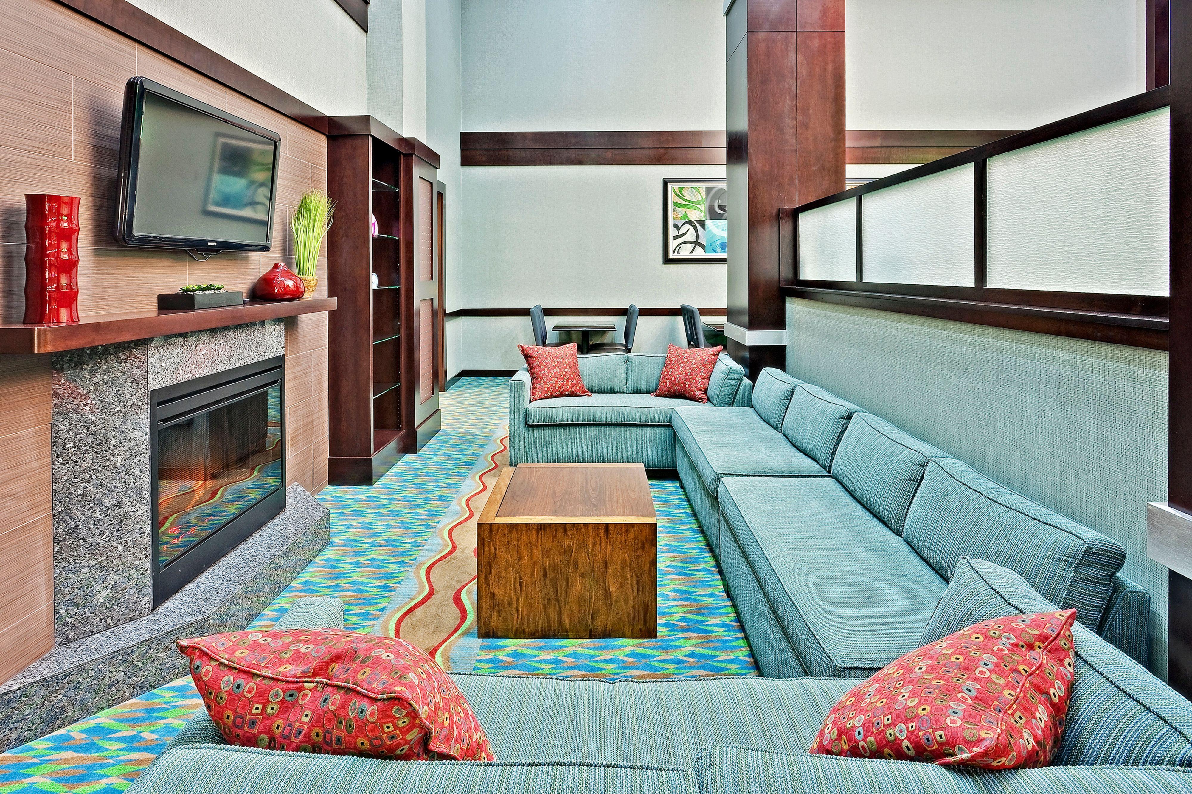 Holiday Inn Express & Suites New Philadelphia image 5