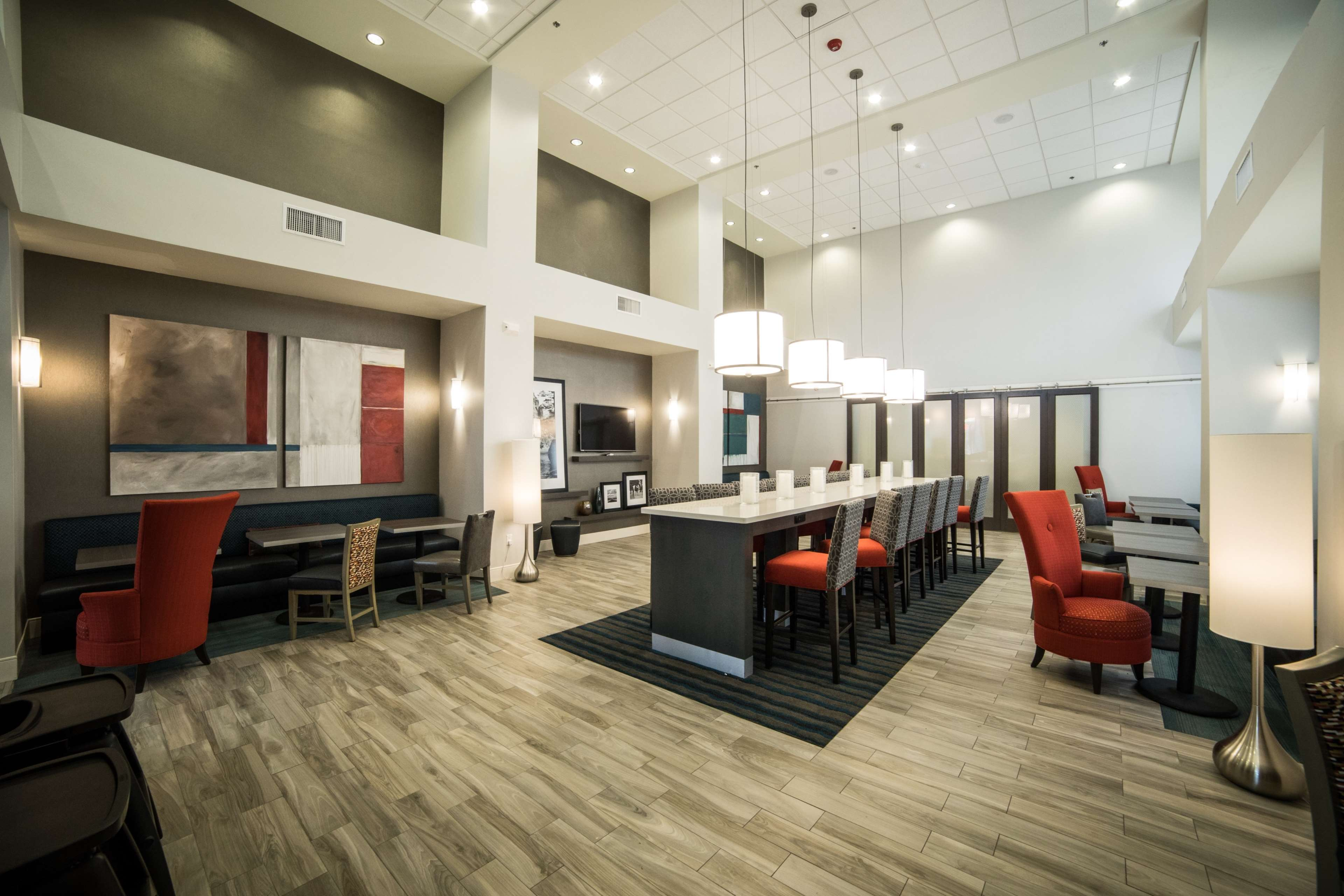 Hampton Inn & Suites Tempe - Phoenix Airport image 5