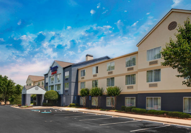 Welcome to the Fairfield Inn & Suites Atlanta Vinings/Galleria. Our hotel is located just miles from SunTrust Park, The Battery Atlanta, Cobb Galleria Centre and Cumberland Mall as well as just minutes to all of Atlanta's top foxesworld.mlon: Paces Ferry Road SE, Atlanta, , Georgia.