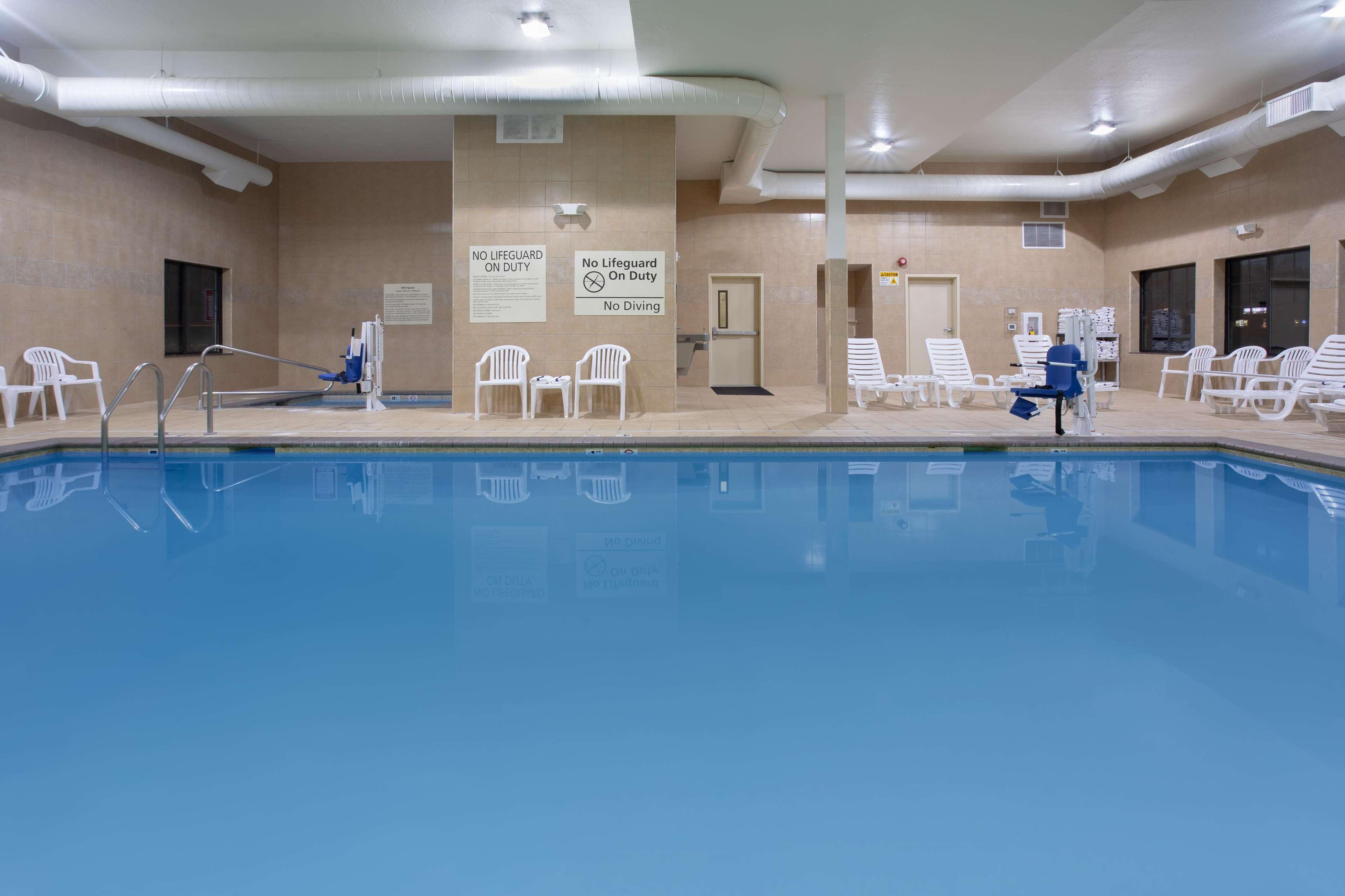 Hampton Inn & Suites Astoria image 6