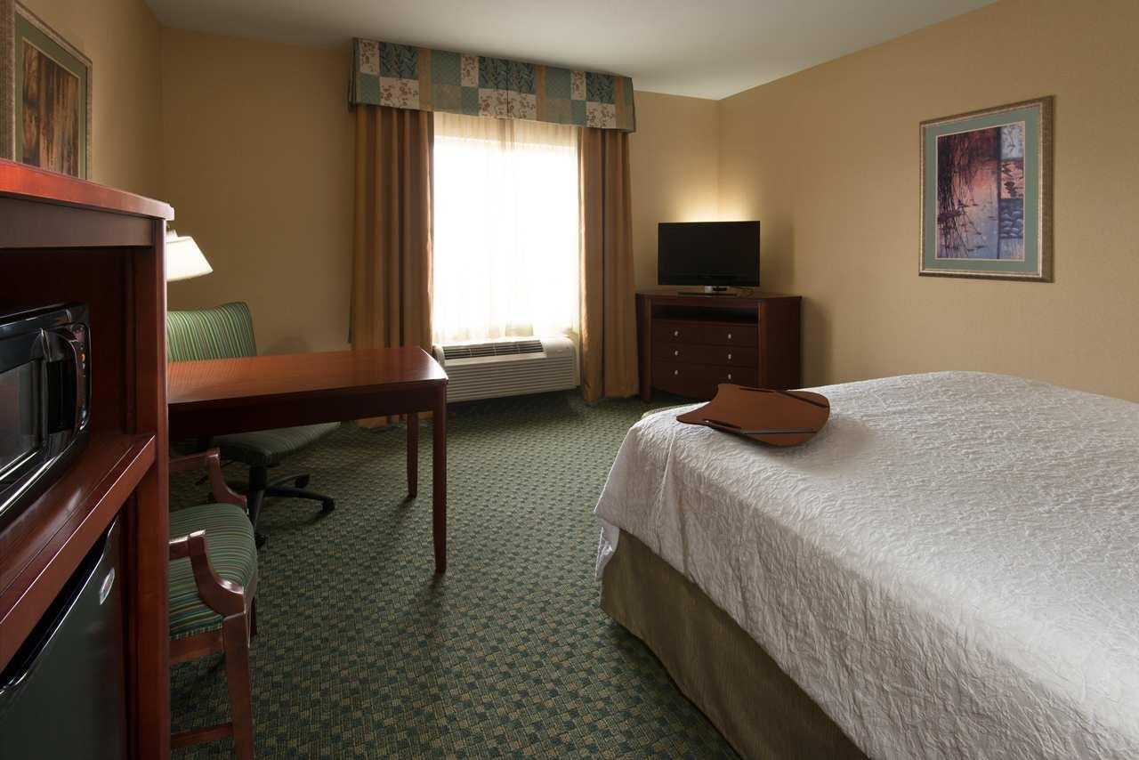 Hampton Inn & Suites El Paso West image 14