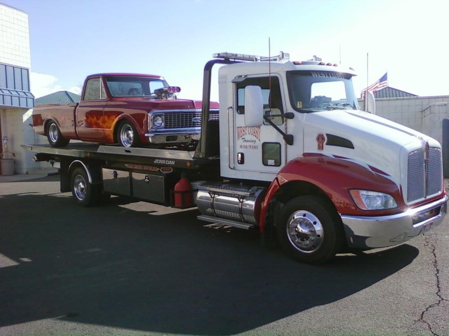 West Coast Heavy Duty Towing & Recovery image 0