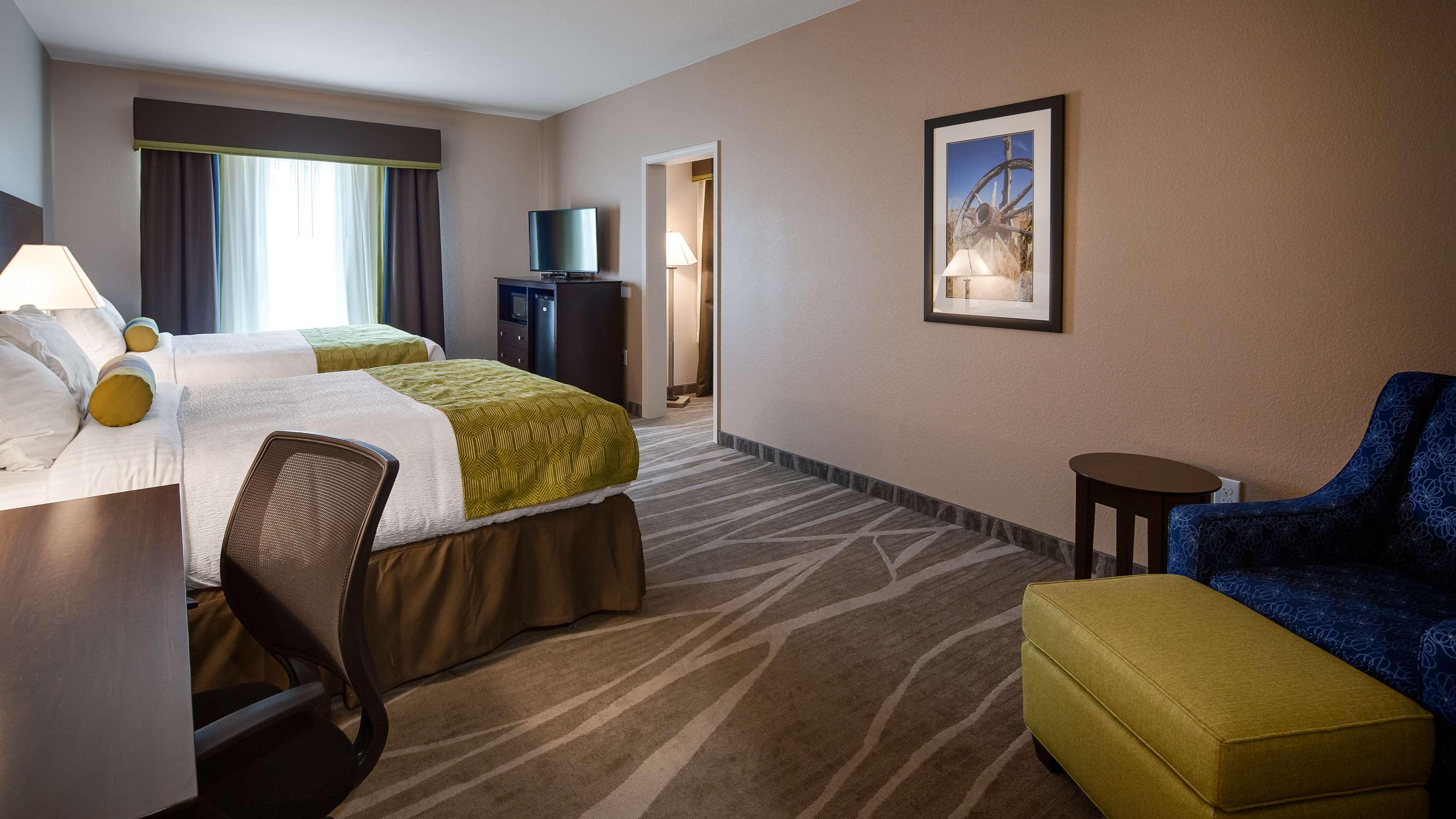 Best Western Plus Denver City Hotel & Suites image 16