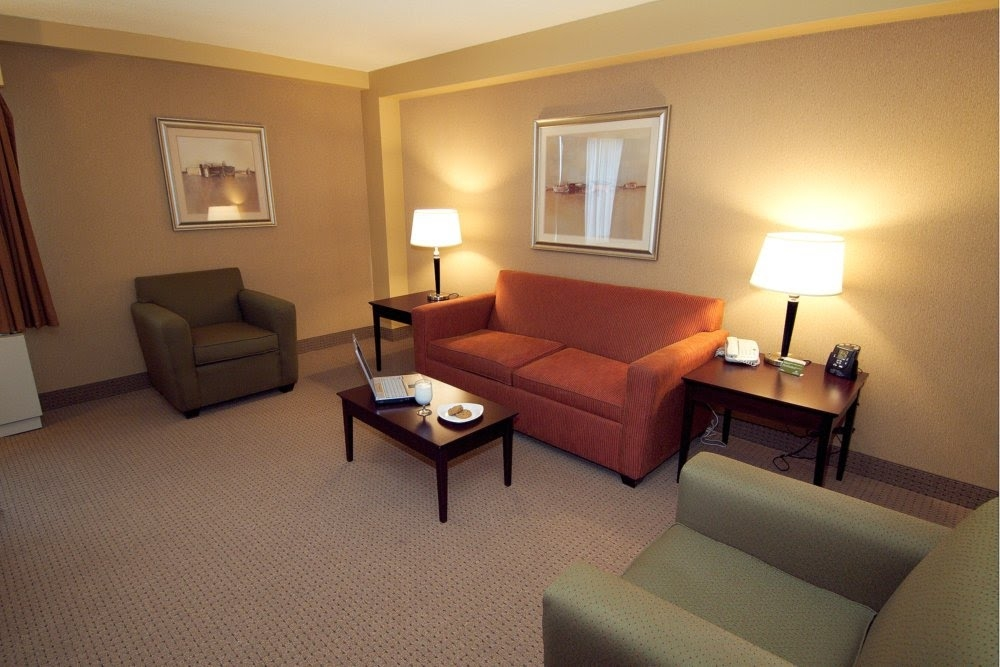 DoubleTree by Hilton Hotel Pittsburgh Airport image 6