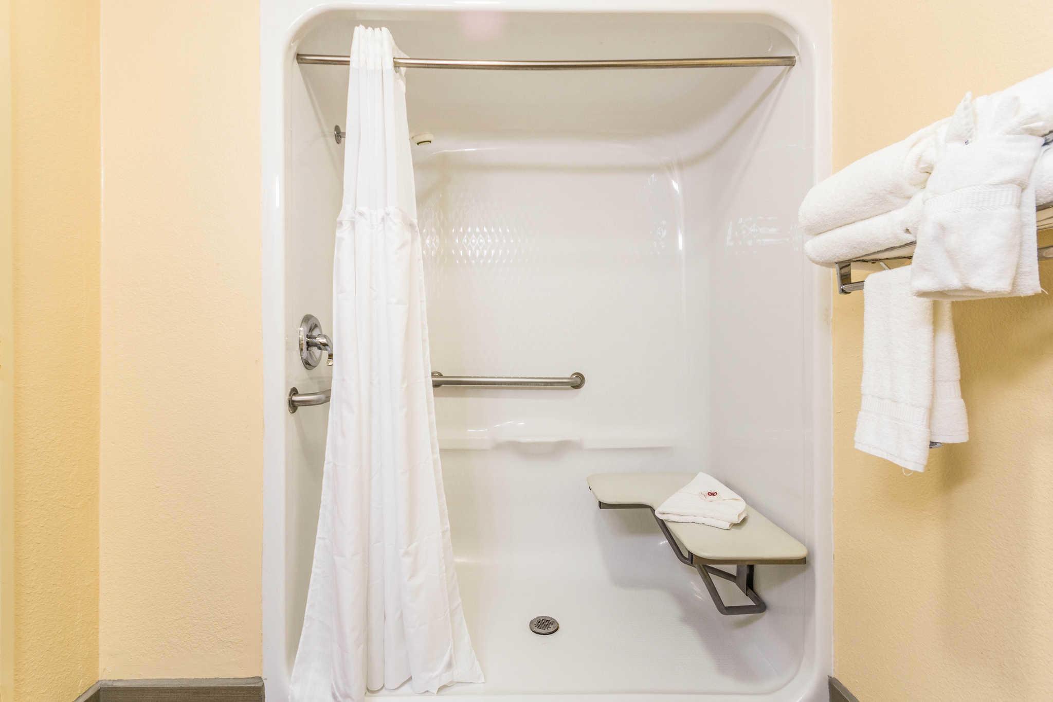 Comfort Inn & Suites North Aurora - Naperville image 11