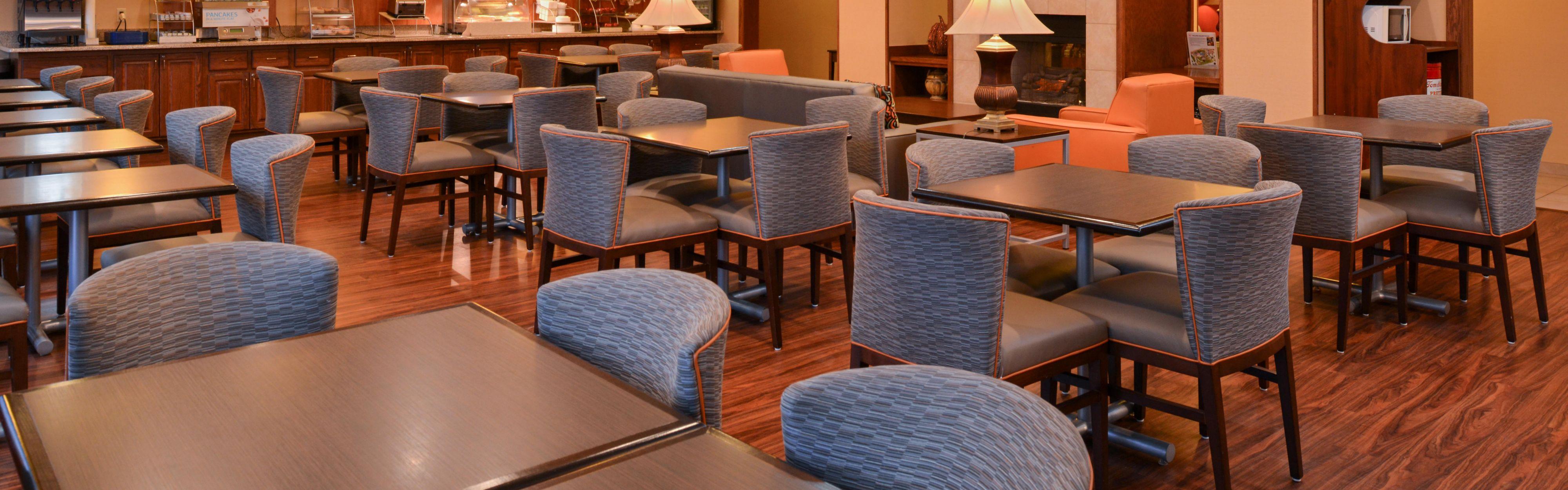 Holiday Inn Express & Suites Lancaster-Lititz image 2