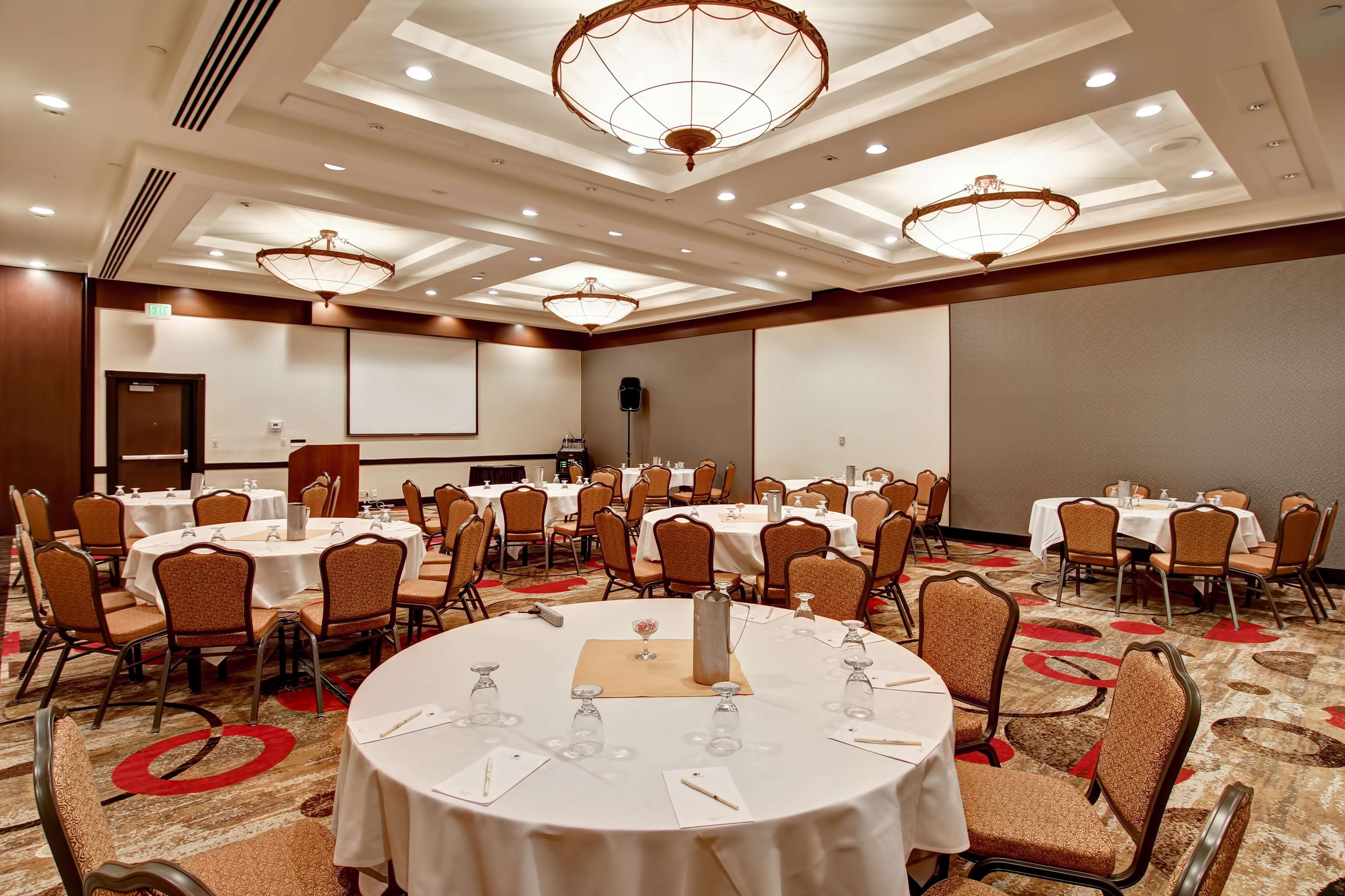 DoubleTree by Hilton Hotel Pleasanton at the Club image 47