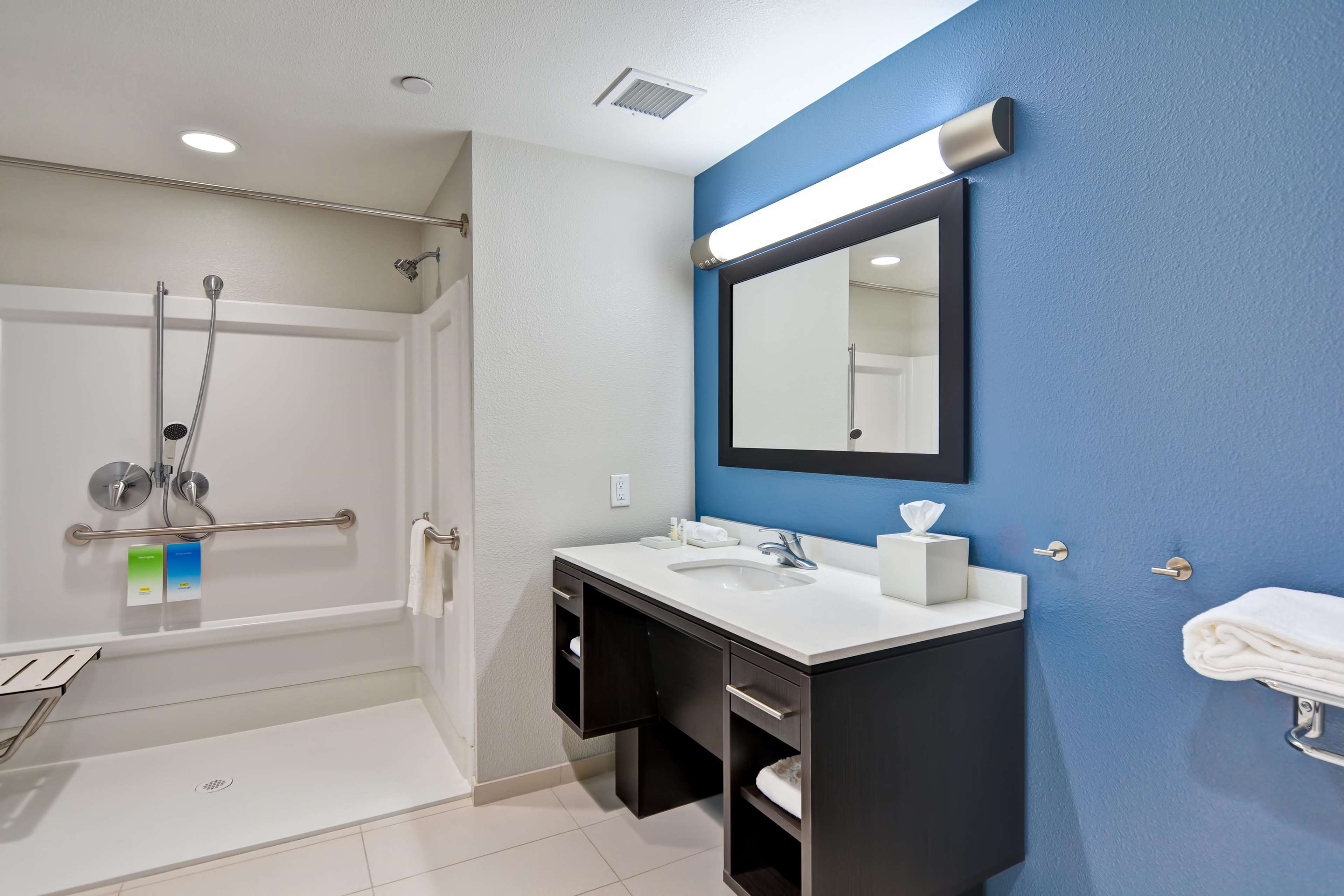 Home2 Suites by Hilton Azusa image 4