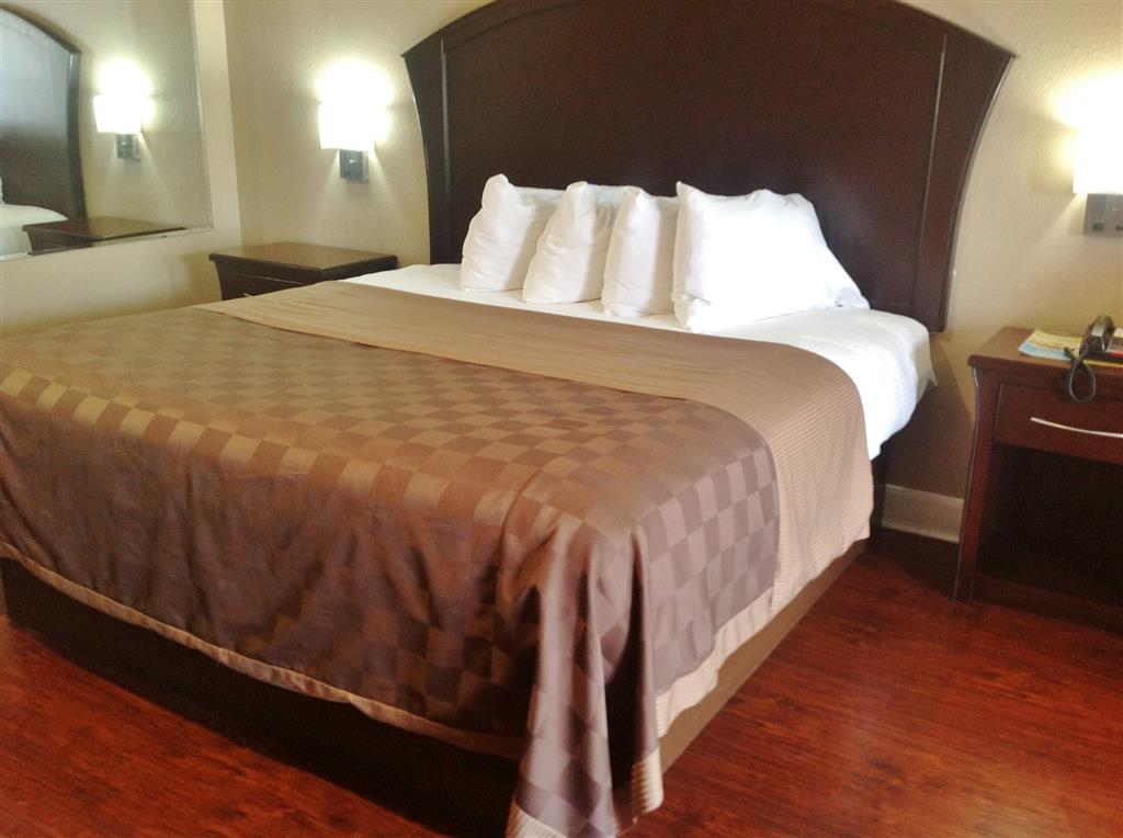 Americas Best Value Inn & Suites - Houston/Tomball Parkway image 11