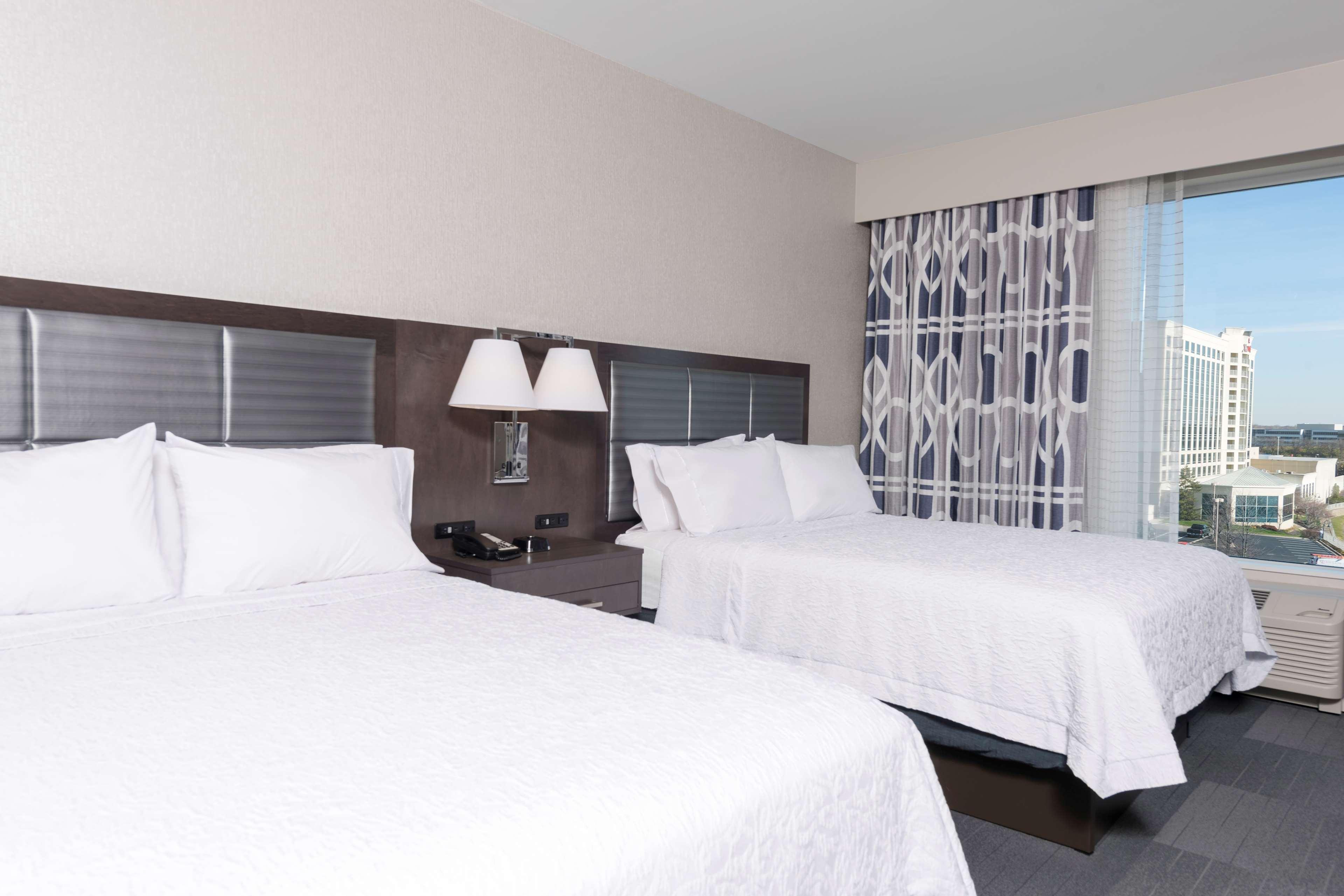 Hampton Inn & Suites Indianapolis-Keystone image 1