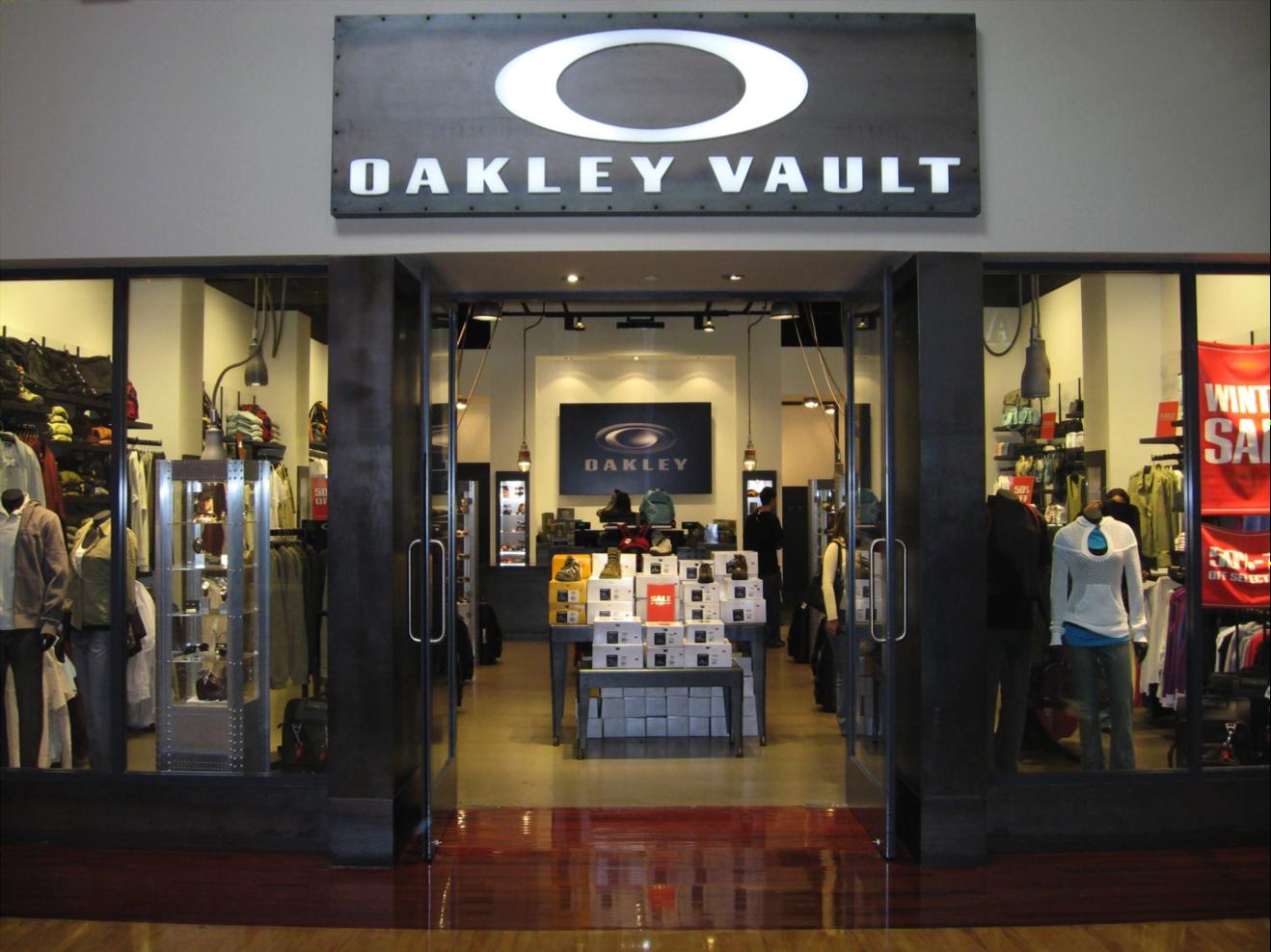 eeaffb2a56 Oakley Vault « One More Soul