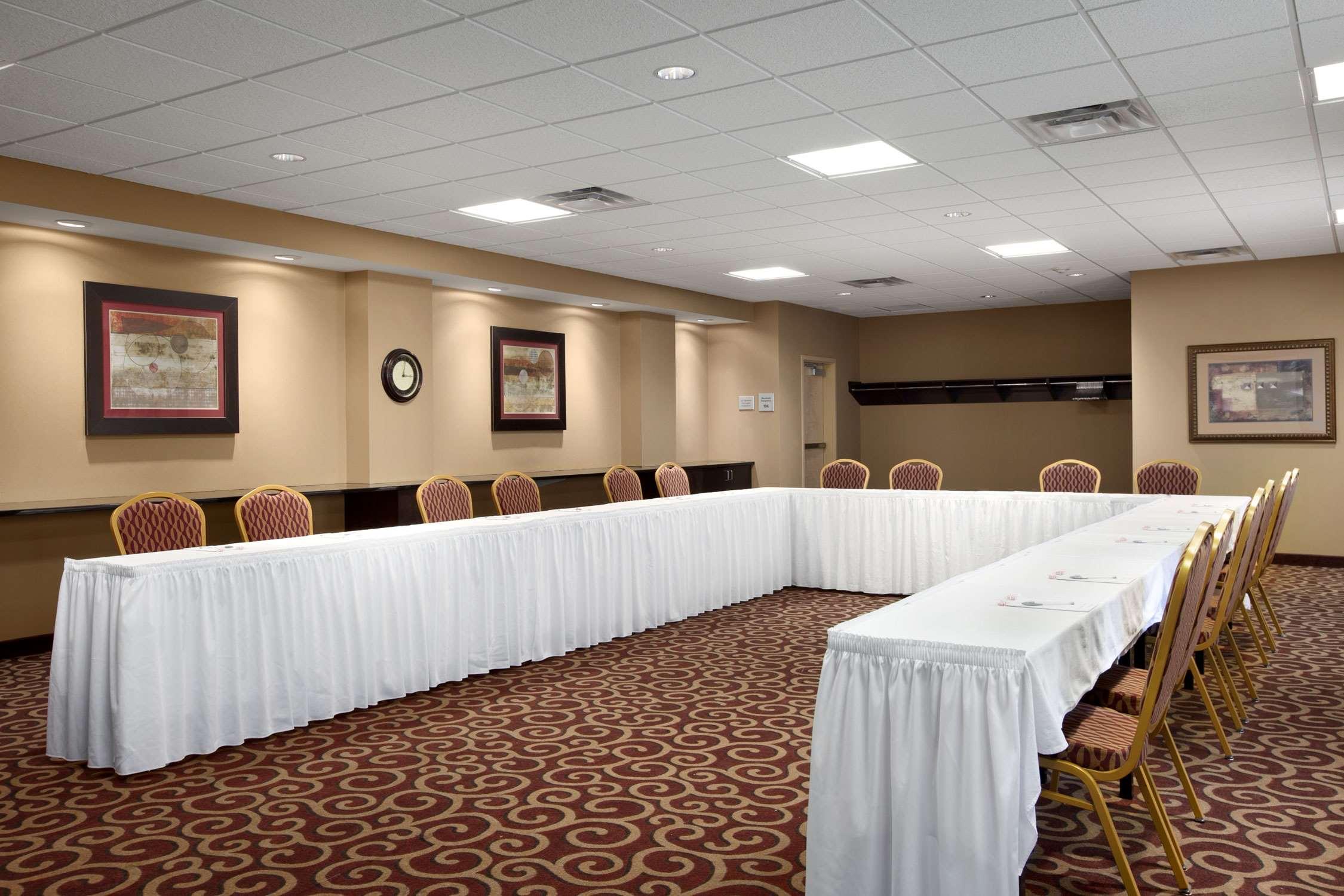 Hampton Inn & Suites Rochester-North image 32
