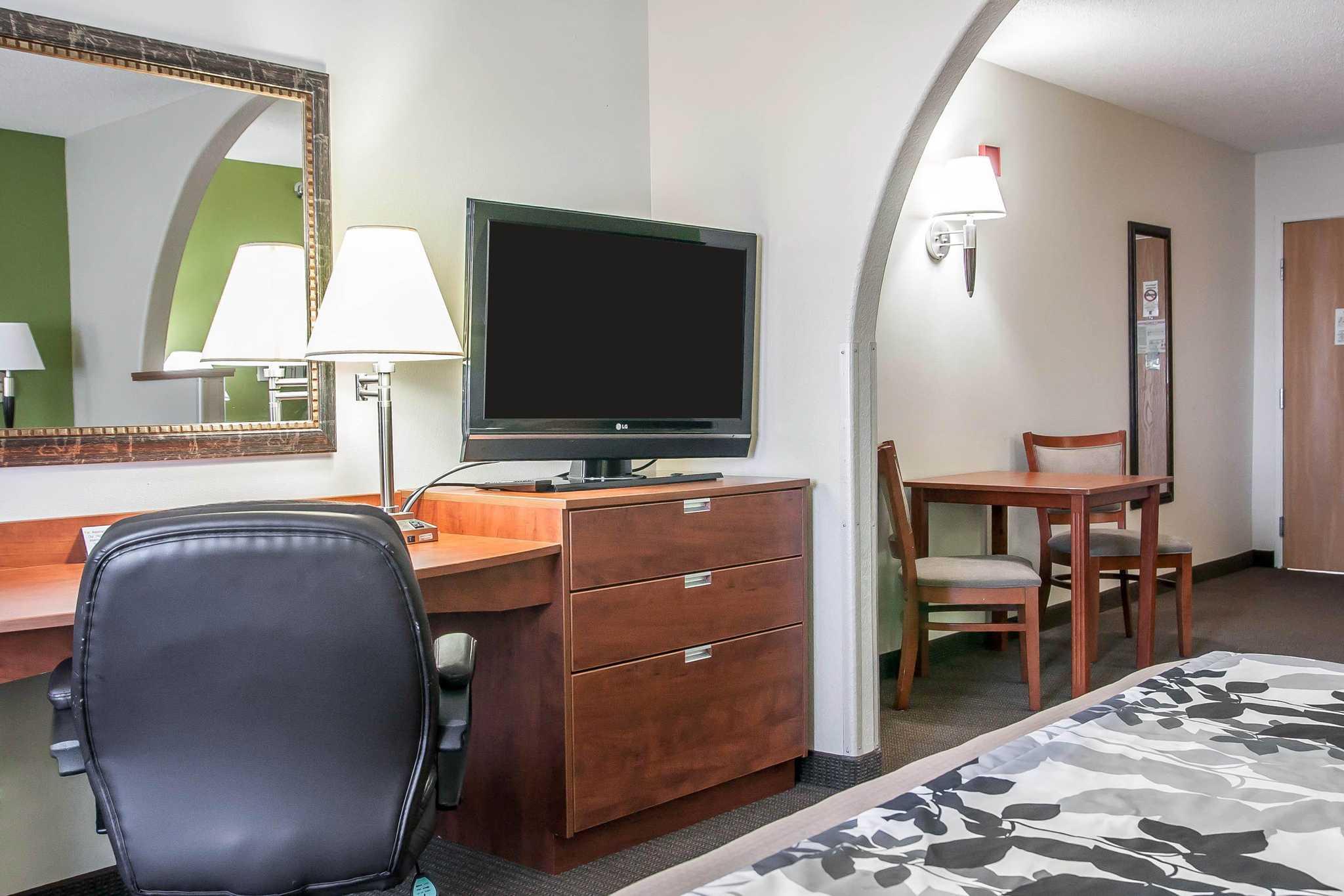 Sleep Inn & Suites image 39