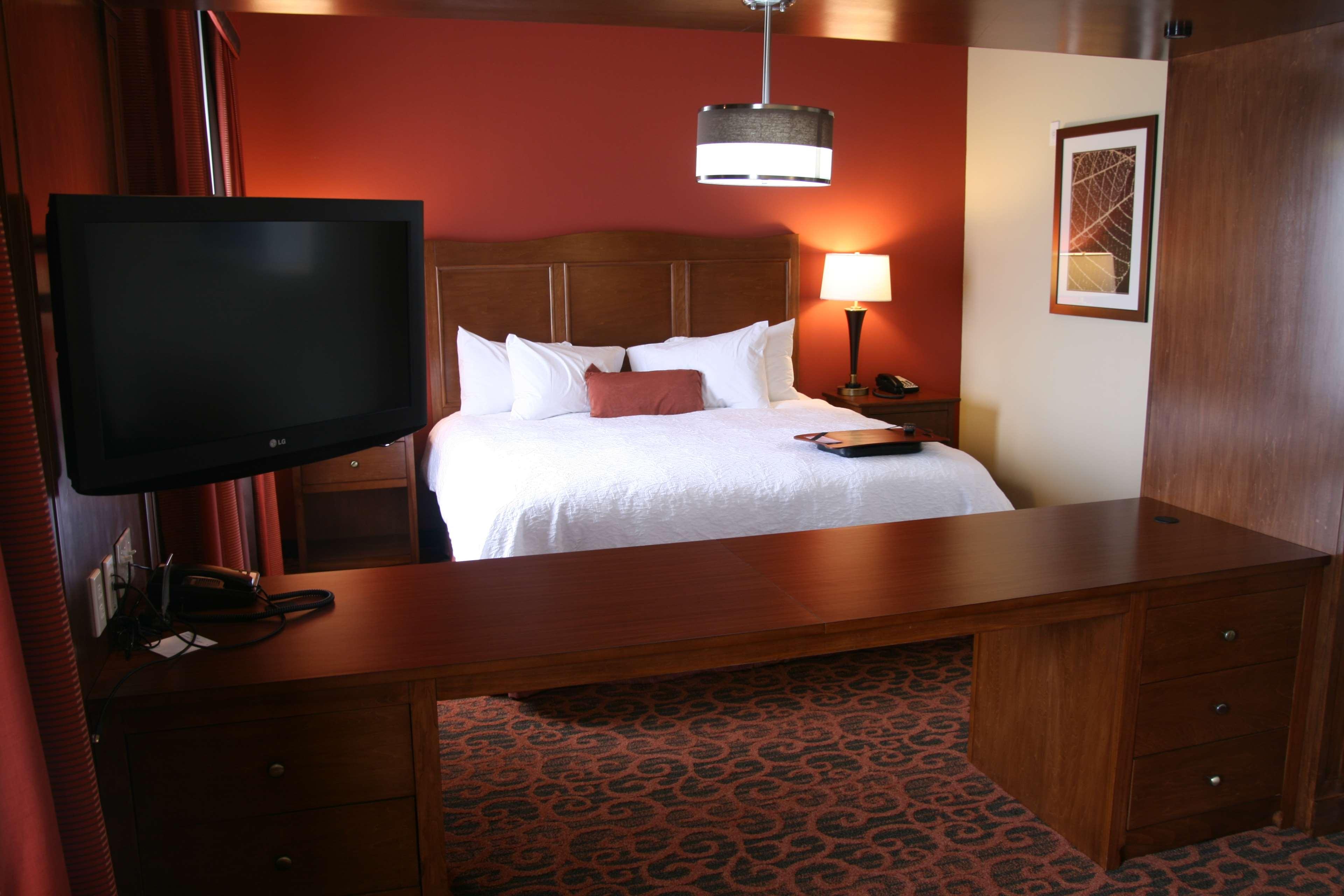 Hampton Inn & Suites Bastrop image 8