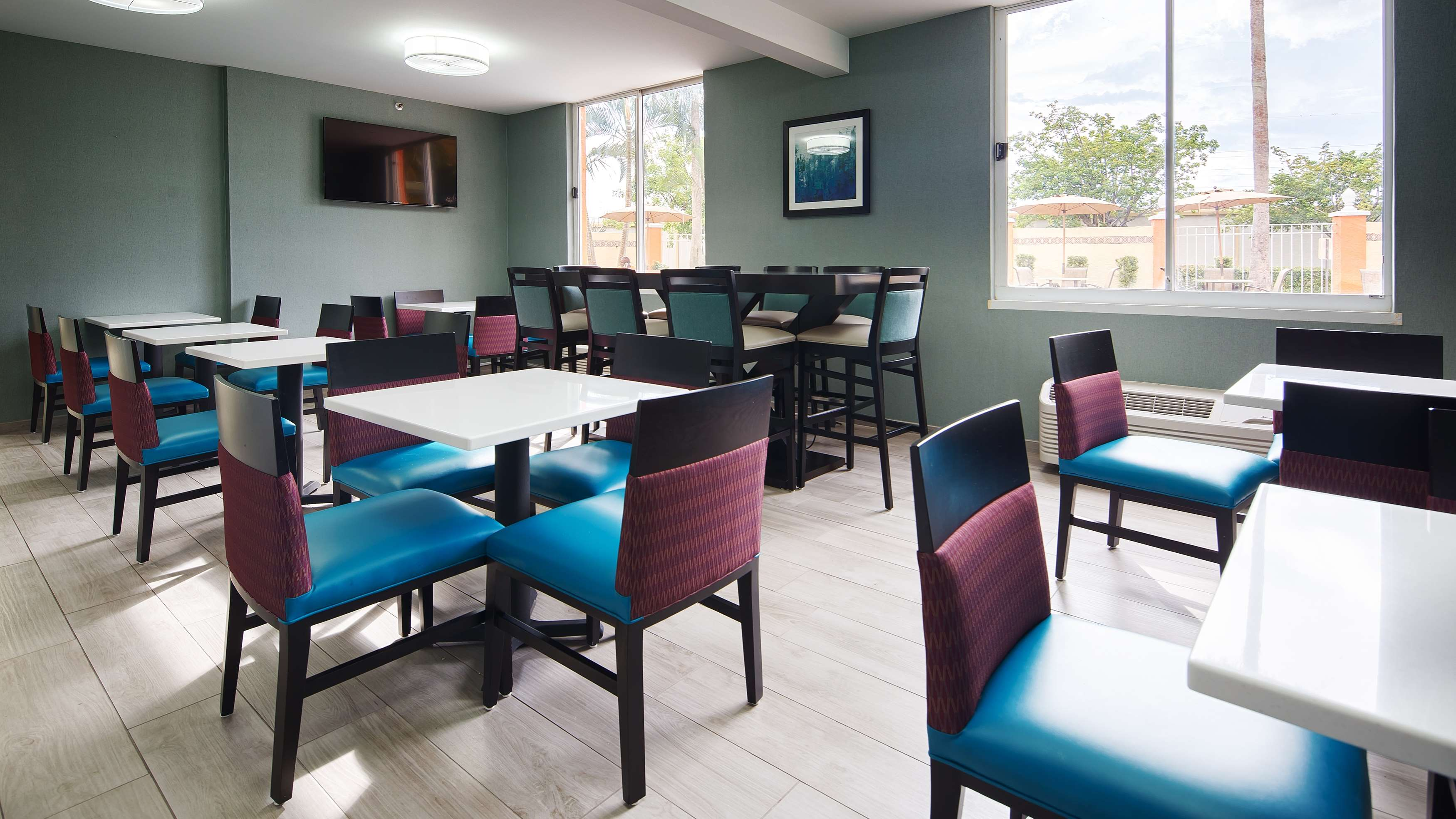 Best Western Fort Myers Inn & Suites image 9