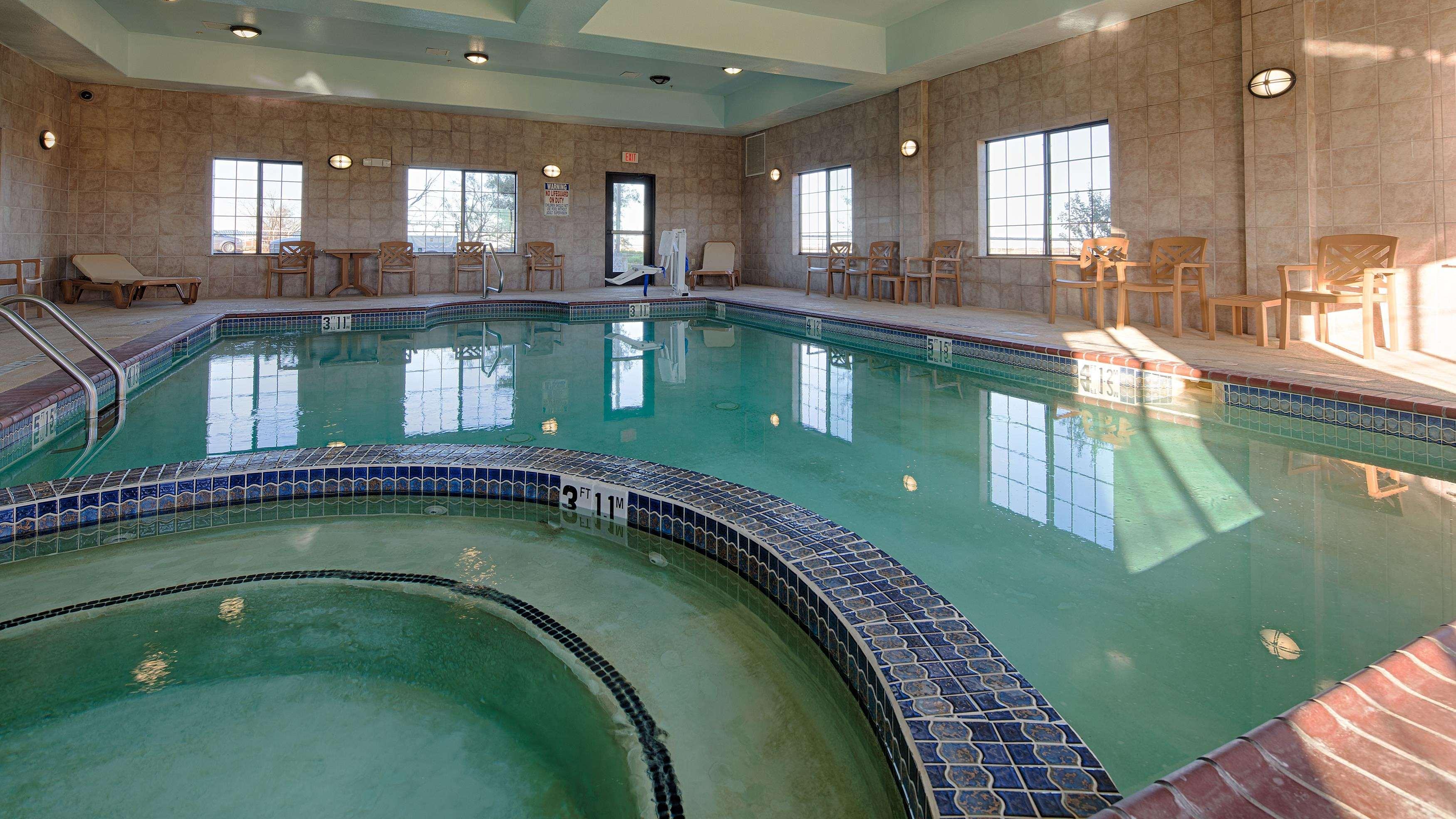 Best Western Henrietta Inn & Suites image 10