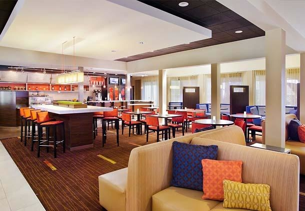 Courtyard by Marriott Fresno image 2