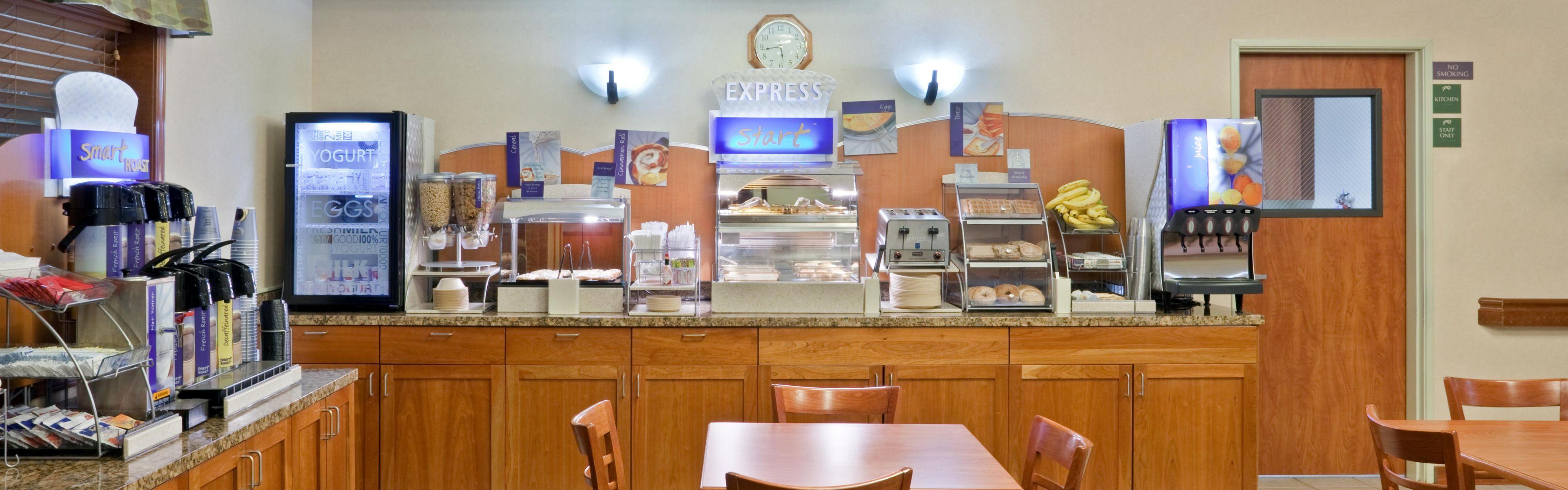 Holiday Inn Express & Suites Burlington image 3