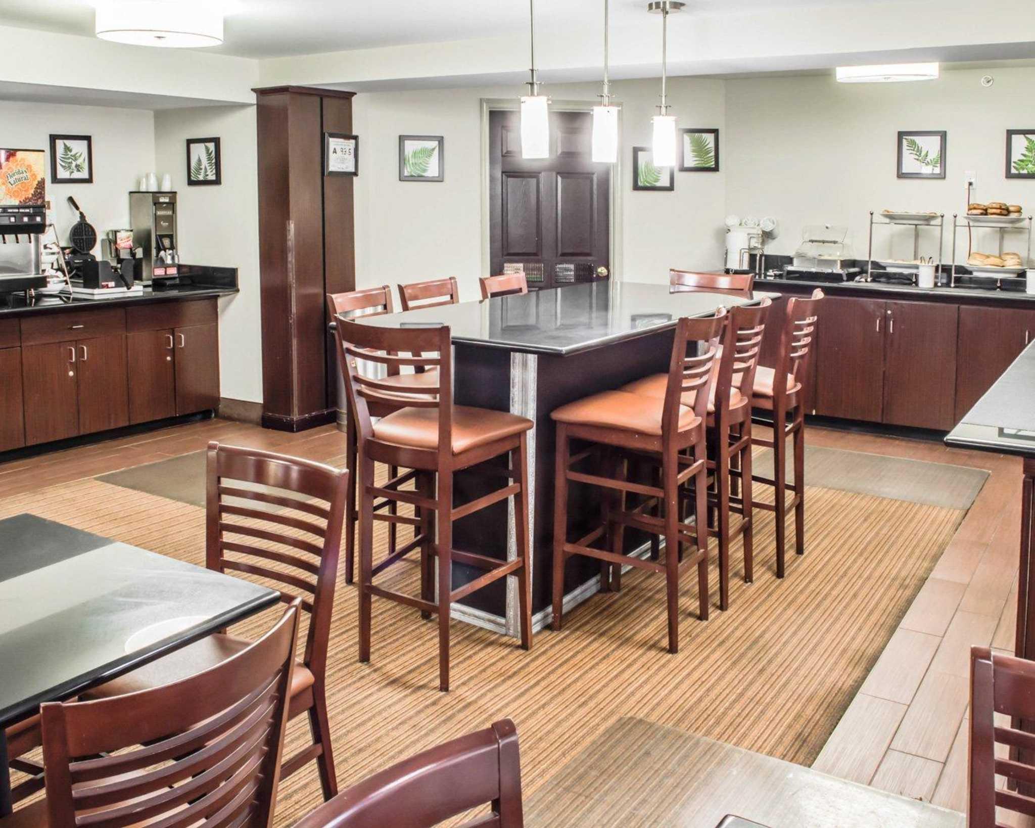 Sleep Inn & Suites near Halifax Regional Medical Center image 17