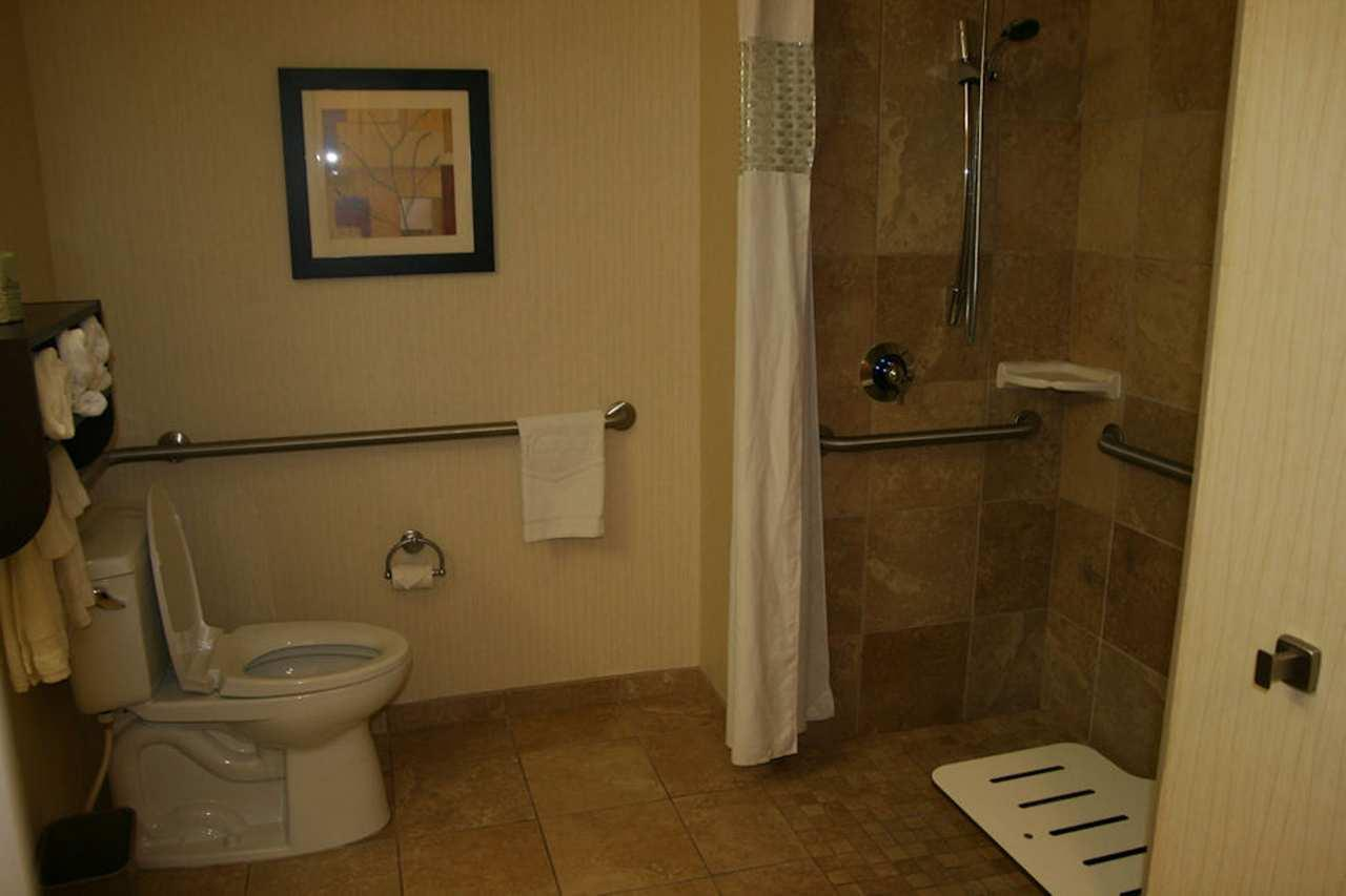 Hampton Inn & Suites Phoenix Glendale-Westgate image 9