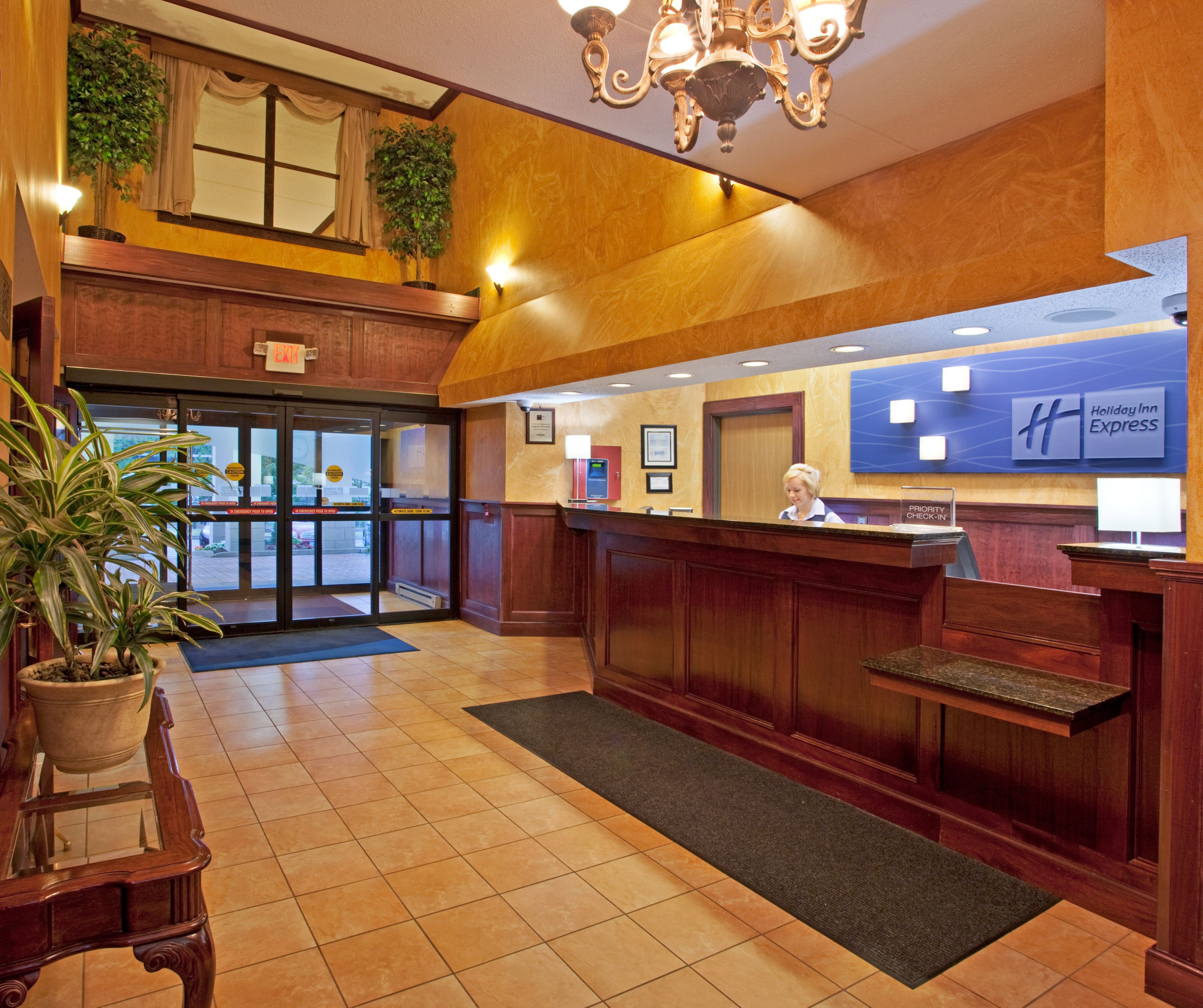 Holiday Inn Express Pittsburgh-North (Harmarville) image 6