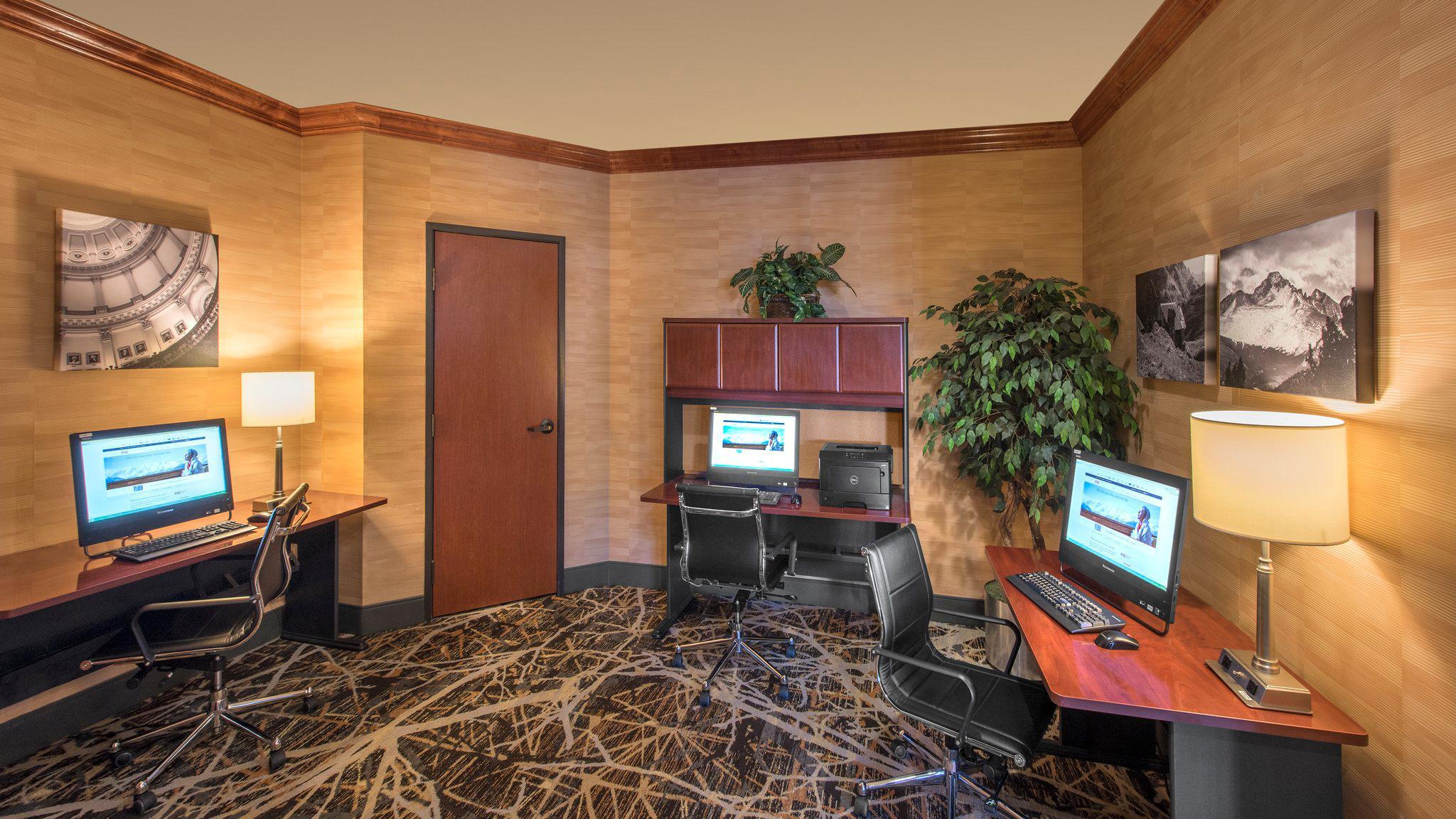 Holiday Inn Denver Lakewood, an IHG Hotel