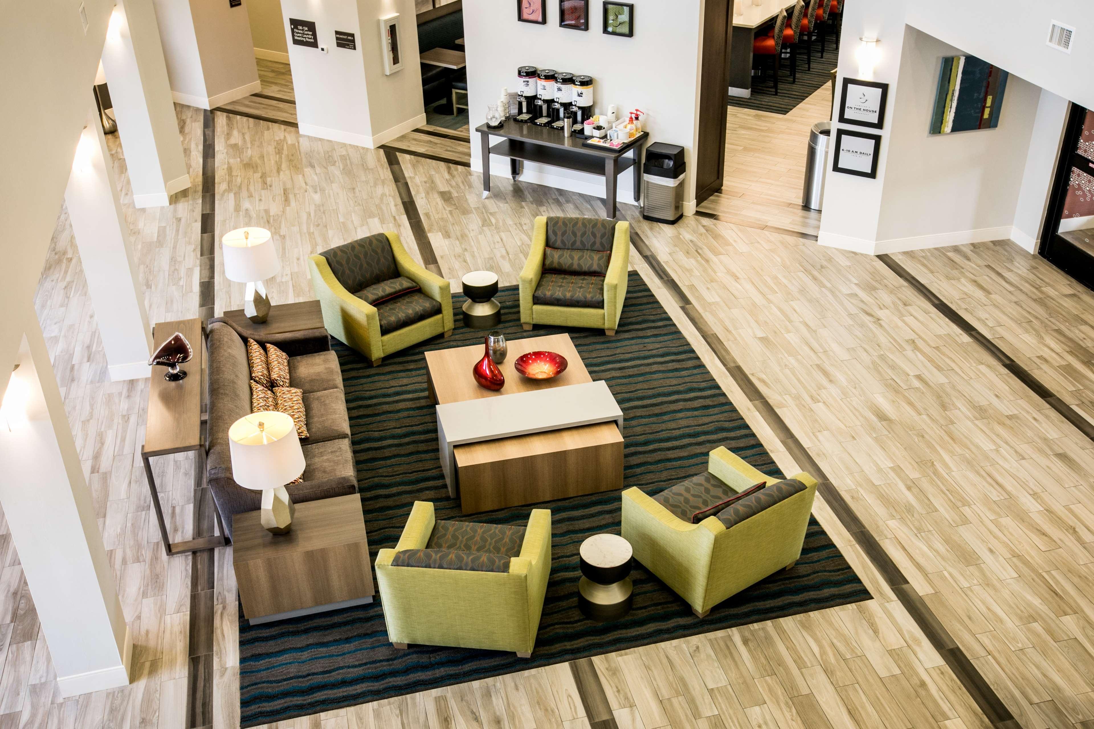 Hampton Inn & Suites Tempe - Phoenix Airport image 7