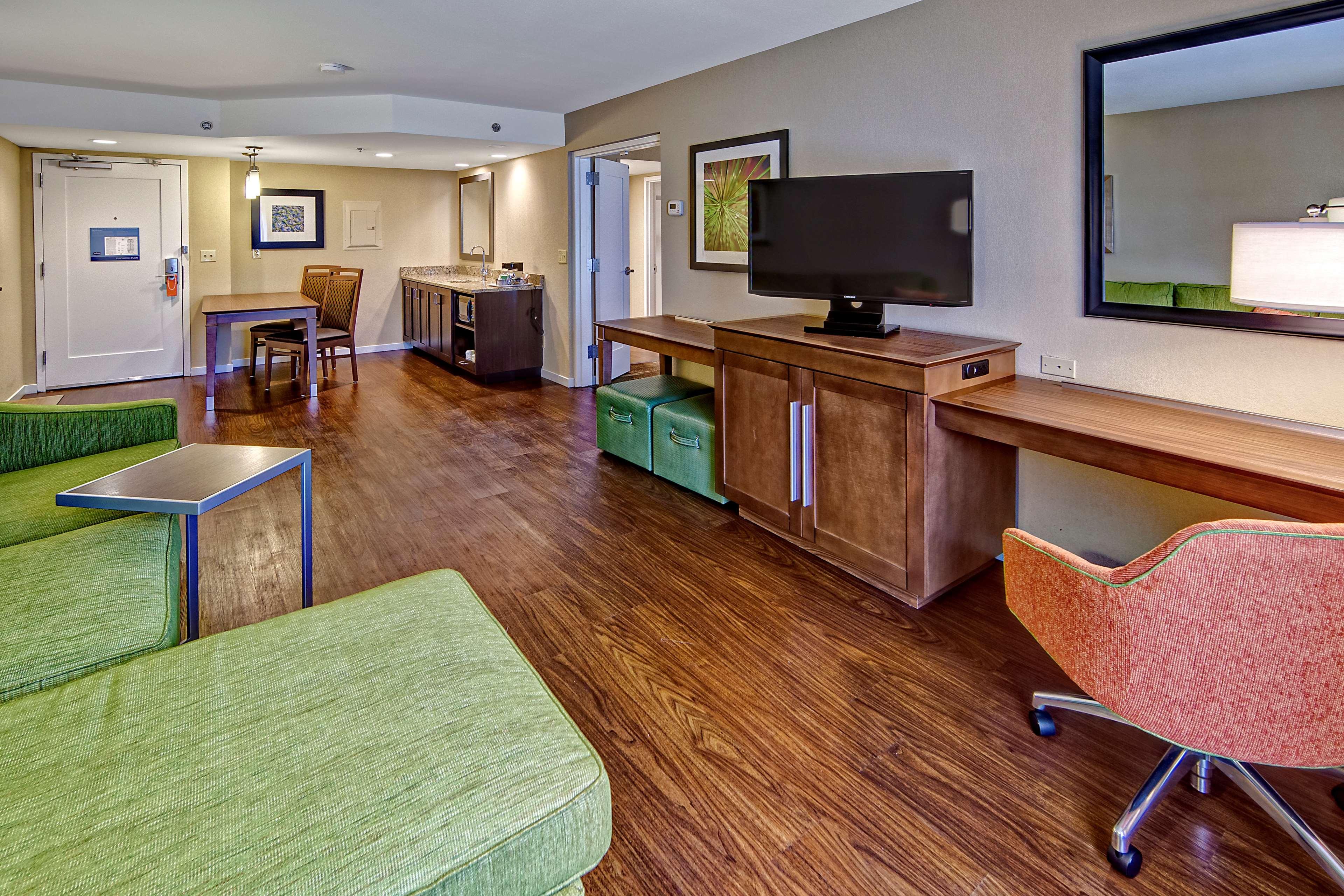 Hampton Inn & Suites Asheville-I-26 image 10