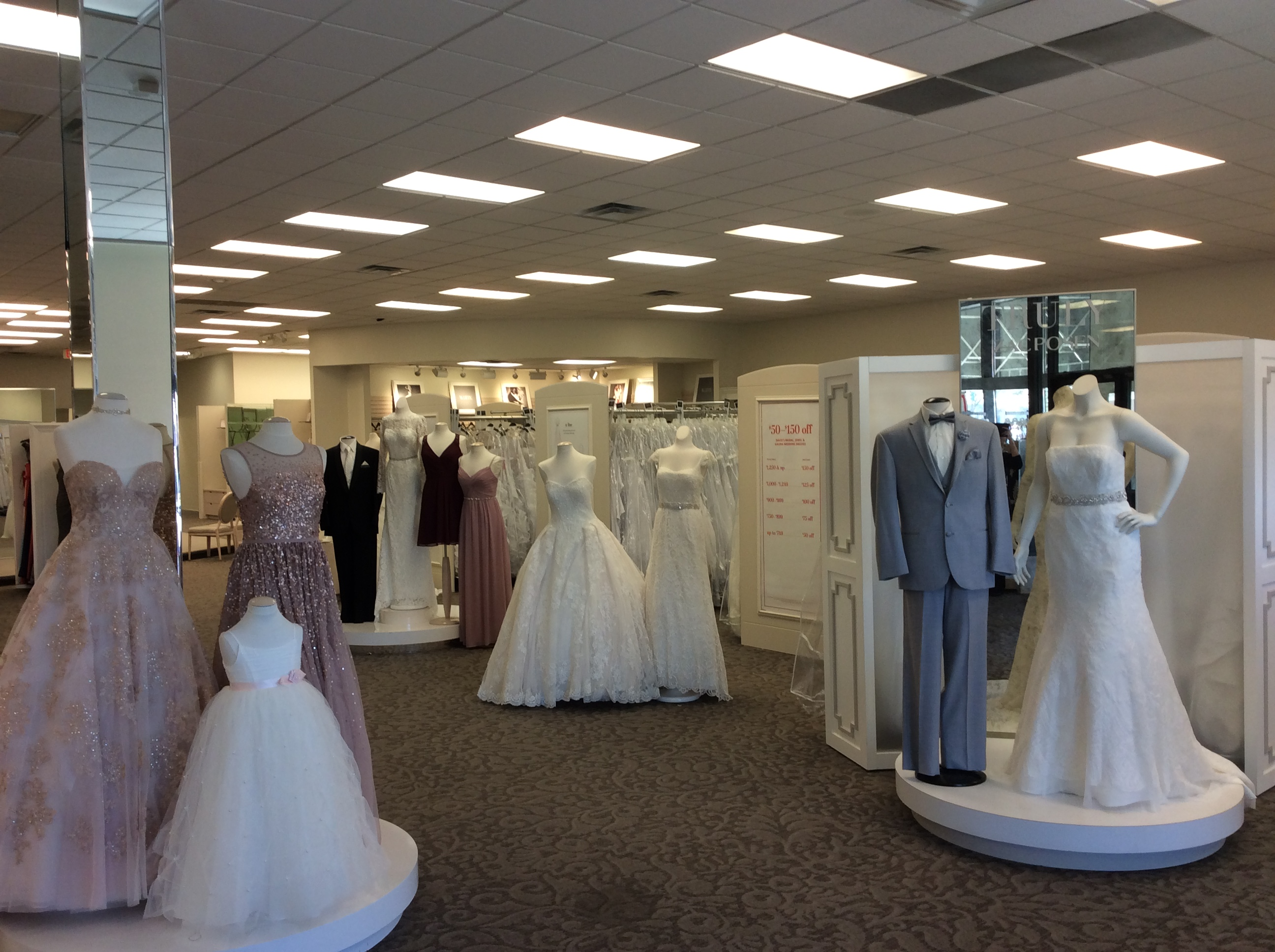 David 39 s bridal in lafayette la 337 406 0 for Wedding dresses lafayette la