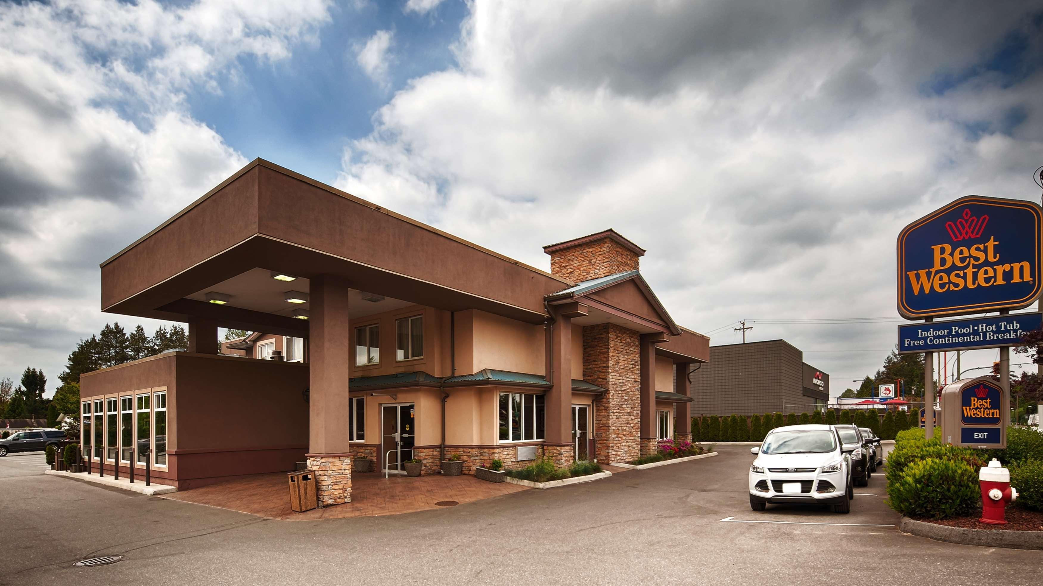 Best Western Maple Ridge Hotel in Maple Ridge: Exterior