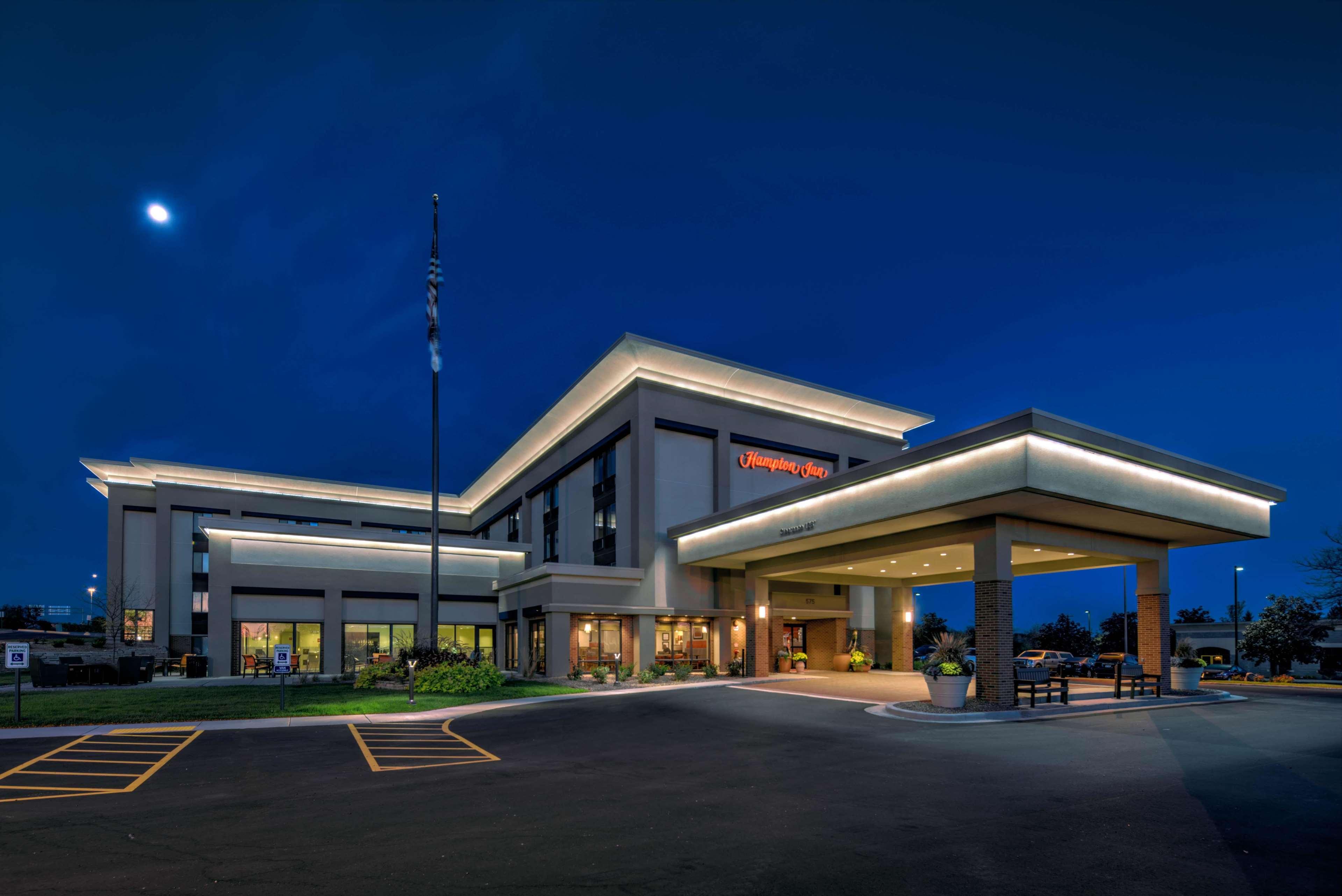 Hampton Inn Milwaukee/Brookfield image 1