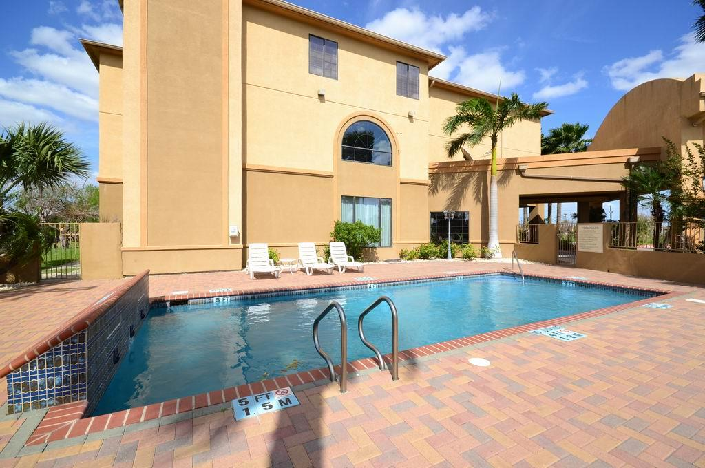 Best Western Casa Villa Suites image 5