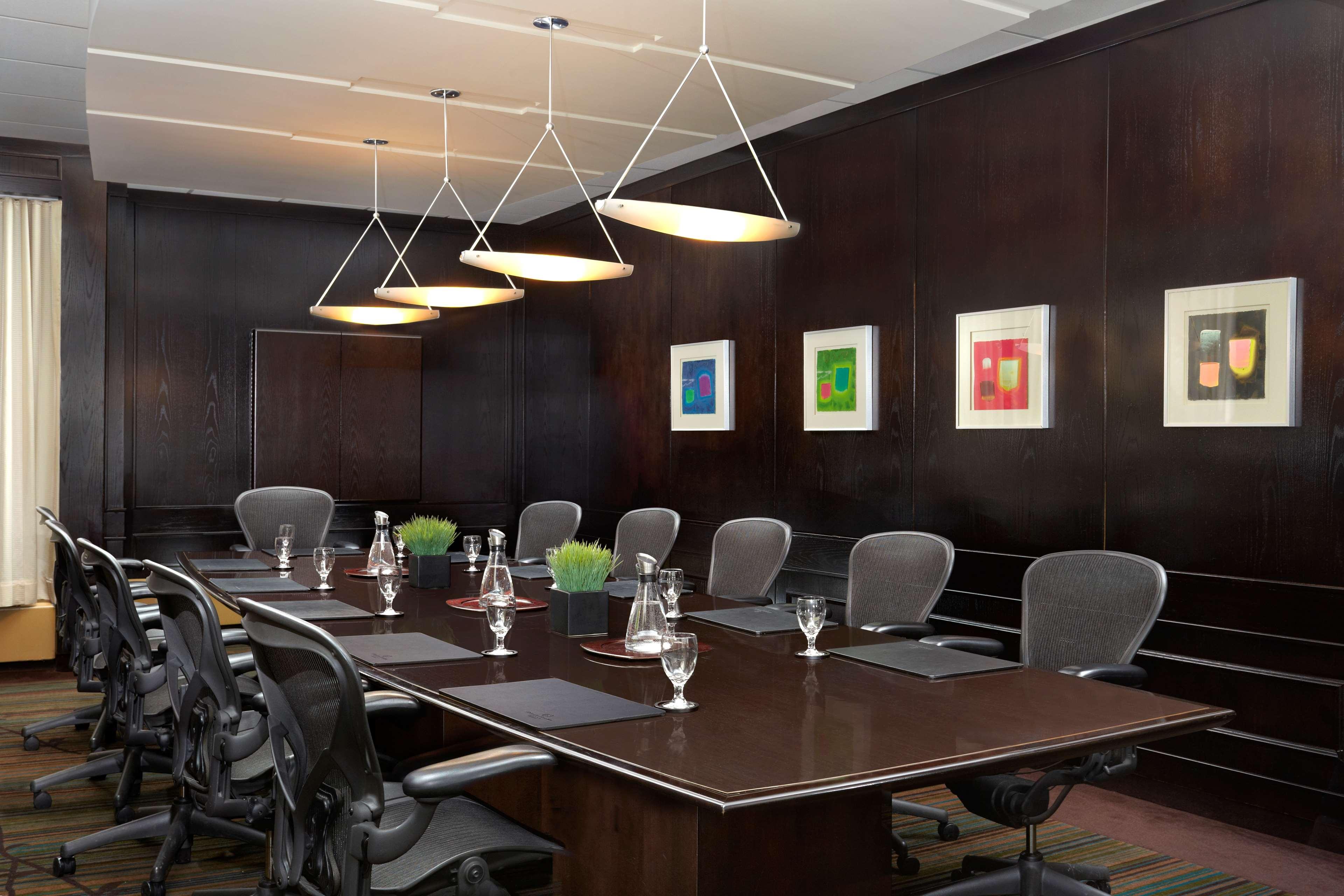 Sheraton Cavalier Calgary Hotel in Calgary: Executive Boardroom