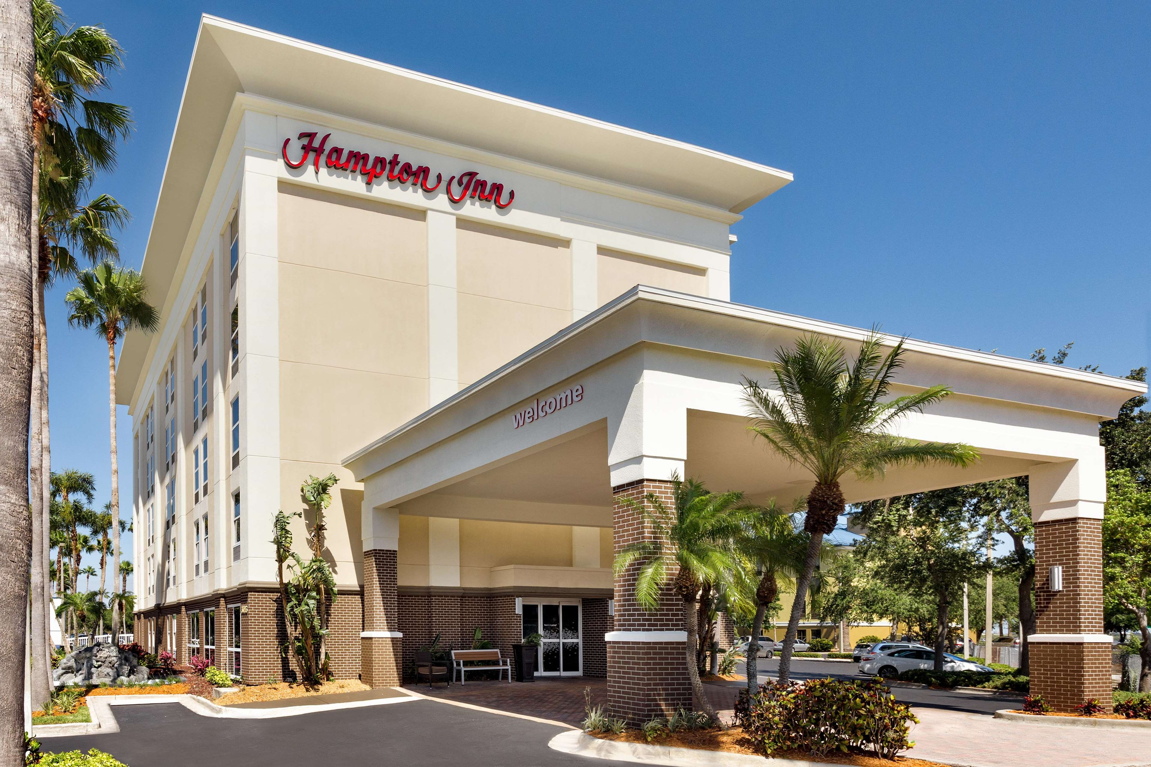 Hampton Inn Tampa/Rocky Point-Airport image 8
