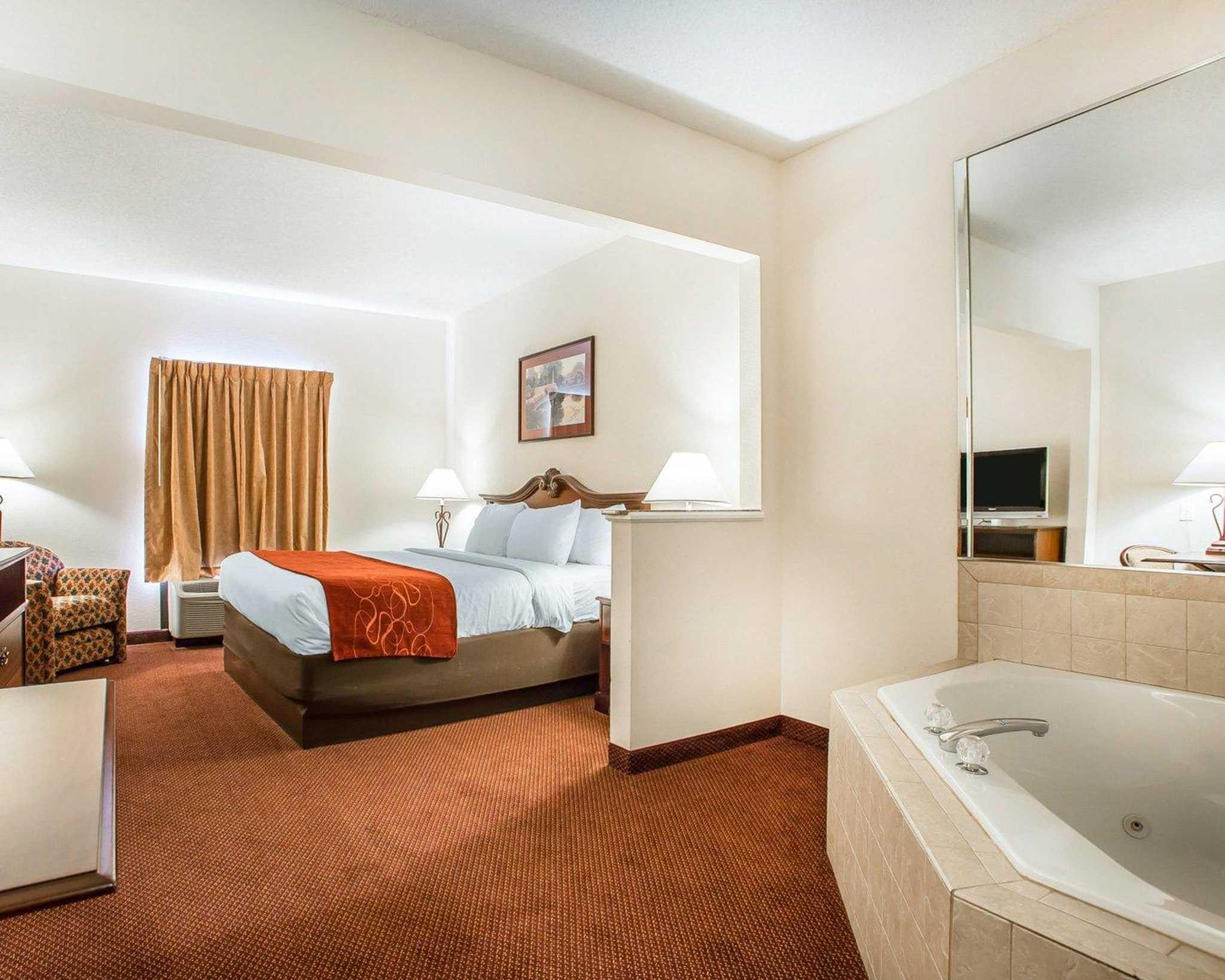 Comfort Suites Jefferson City image 17