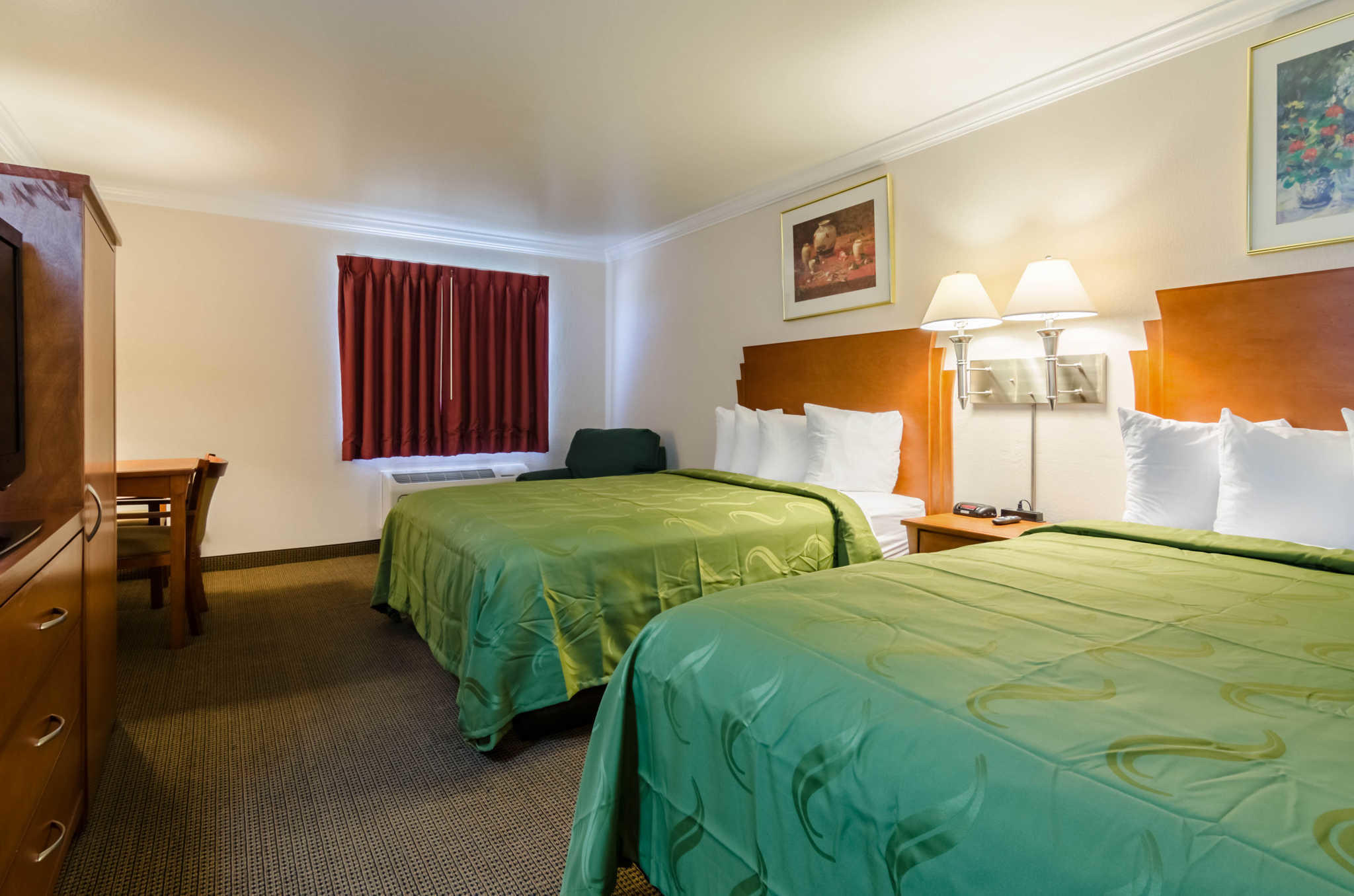 Quality Inn & Suites image 45
