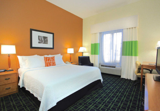 Fairfield Inn & Suites by Marriott Jacksonville Beach image 3