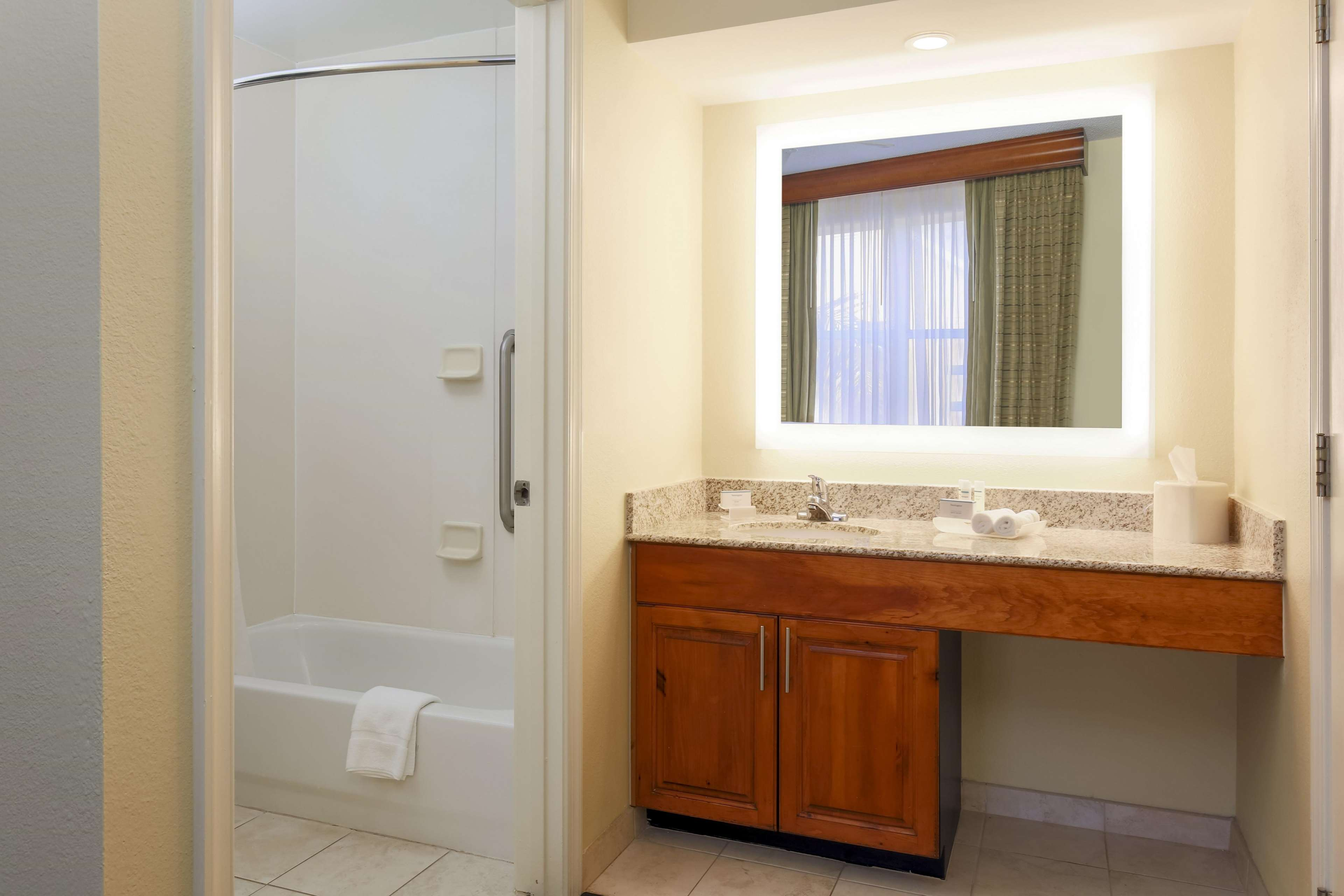 Homewood Suites by Hilton St. Petersburg Clearwater image 13