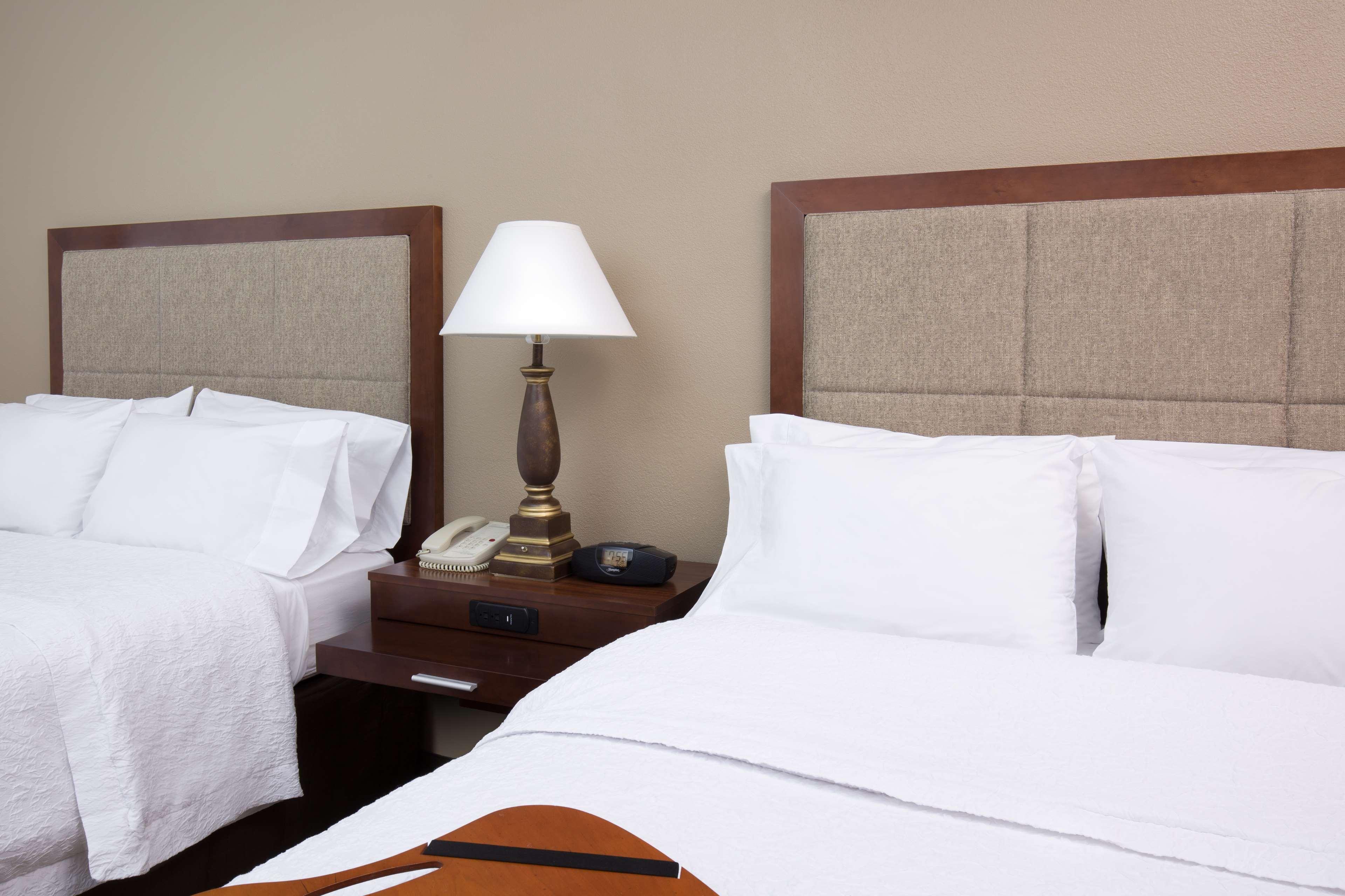 Hampton Inn & Suites Ft. Wayne-North image 21