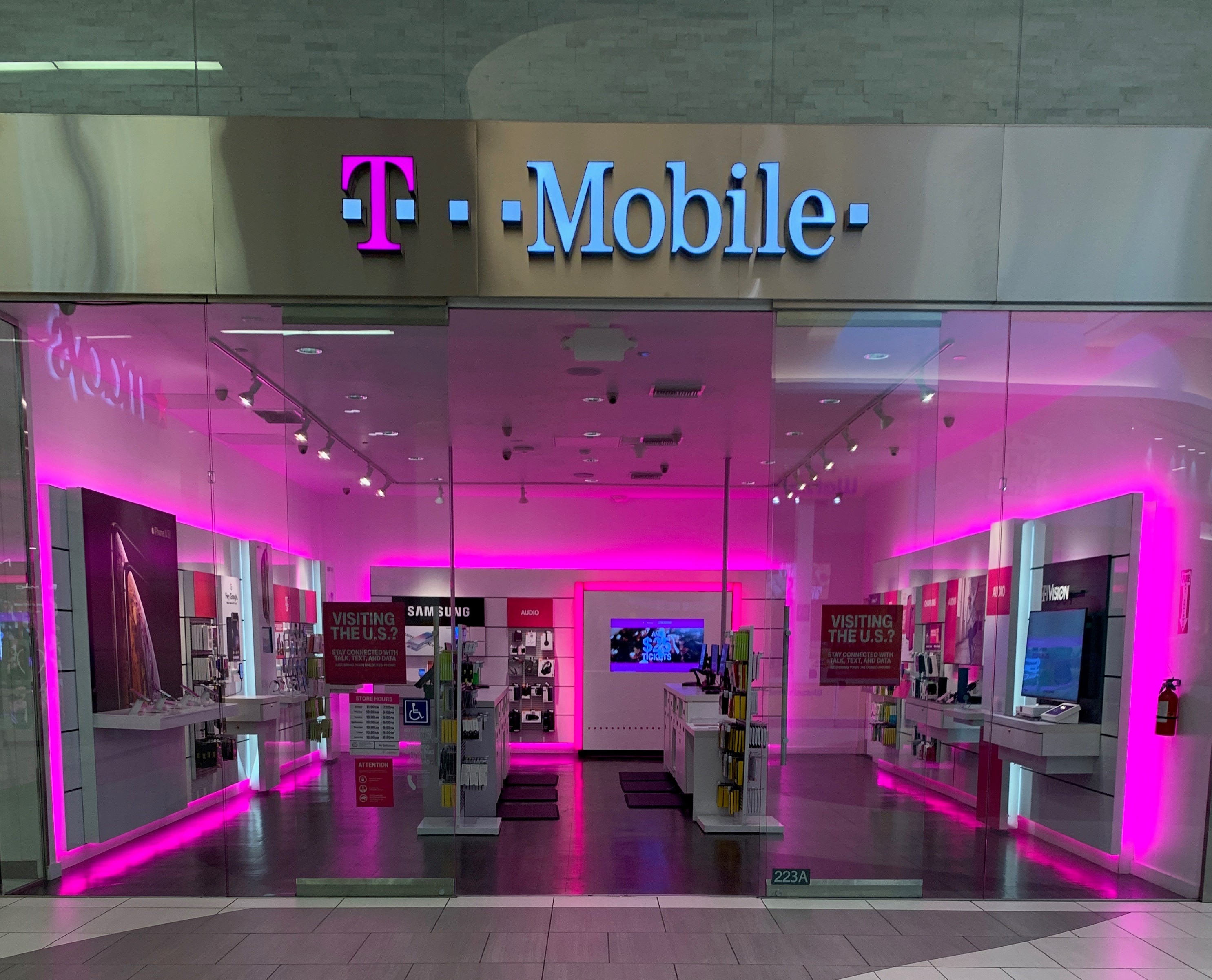 T Mobile Store At 21712 Hawthorne Blvd 223a Torrance Ca T Mobile