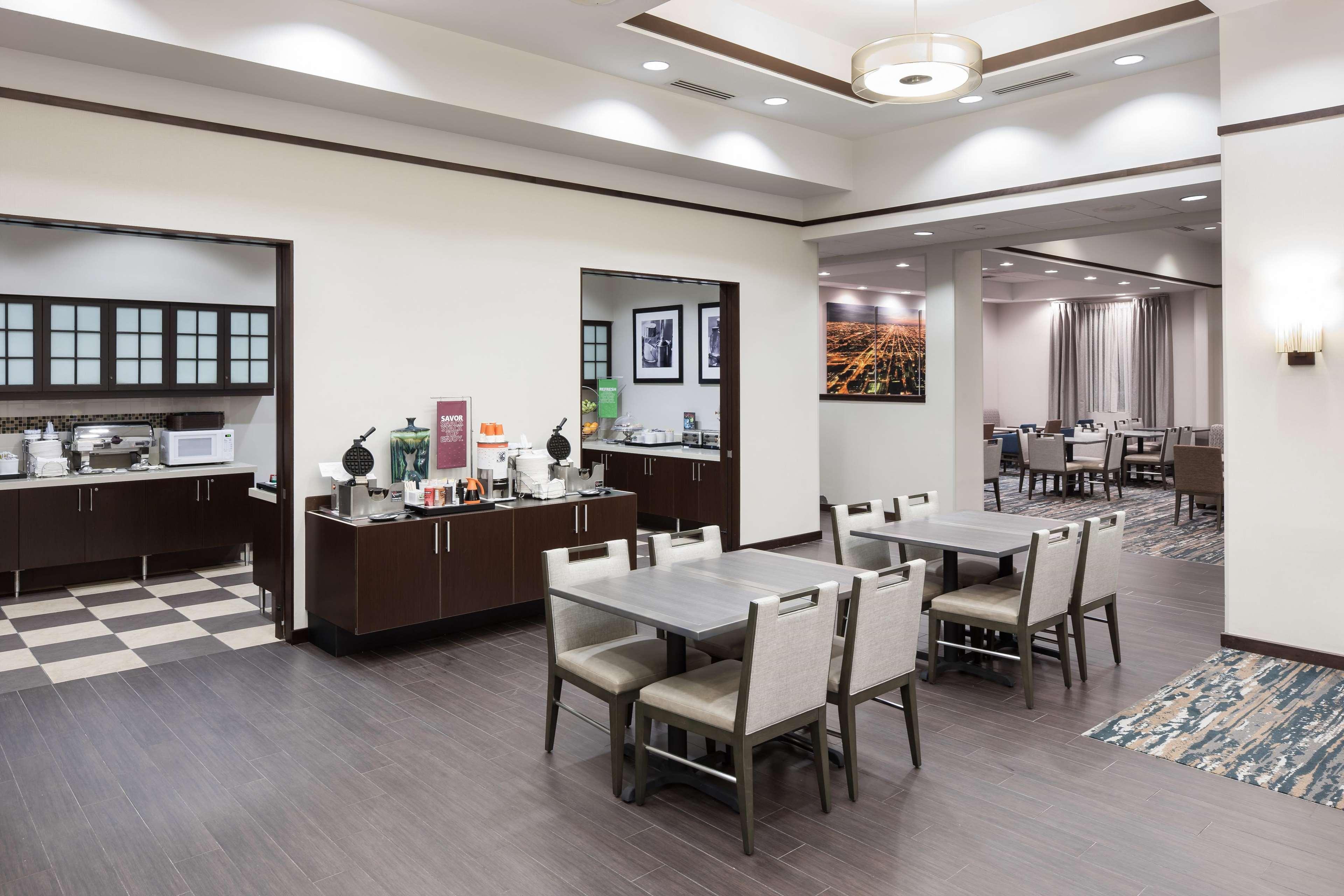 Hampton Inn & Suites Chicago-North Shore/Skokie image 15